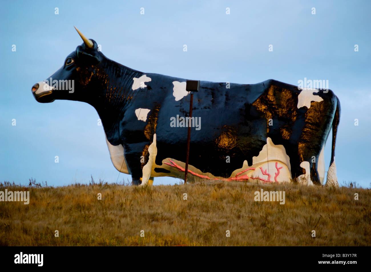 Salem Sue, the world's largest cow statue, near New Salem, North Dakota - Stock Image