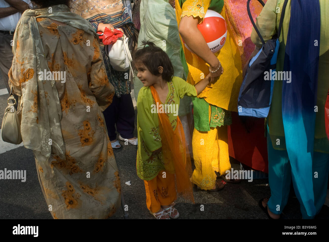 Pakistani Americans gather near Madison Square Park in New York celebrate the partition of Pakistan - Stock Image