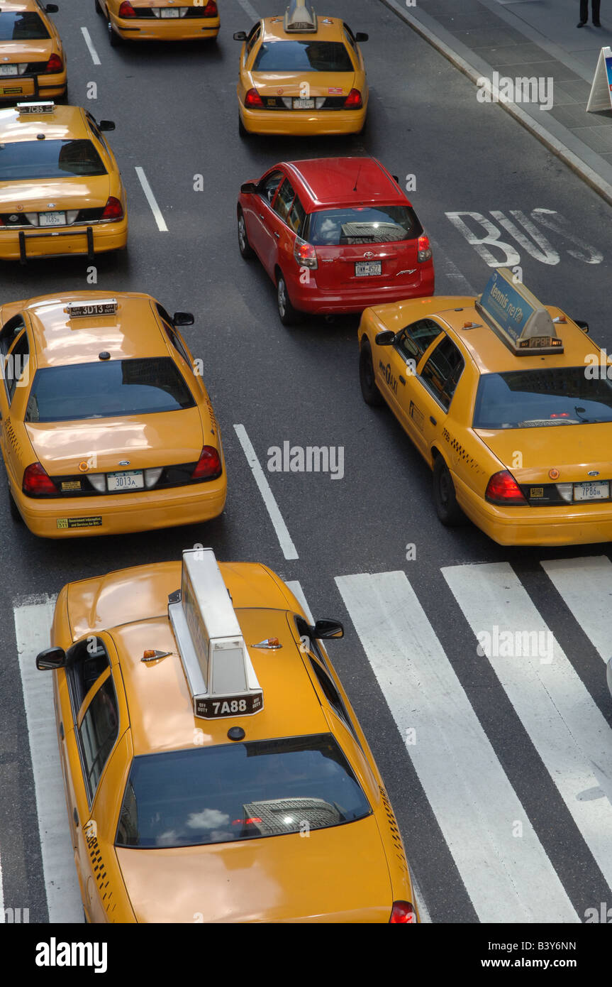 Traffic flows east bound on East 42 street on Saturday August 23 2008 in New York Frances M Roberts - Stock Image