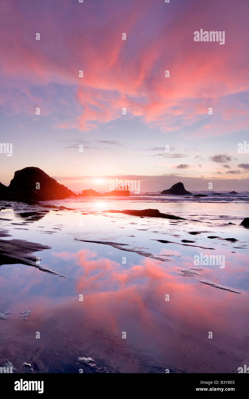 Sunset and reflection at Seal Rock Oregon - Stock Image