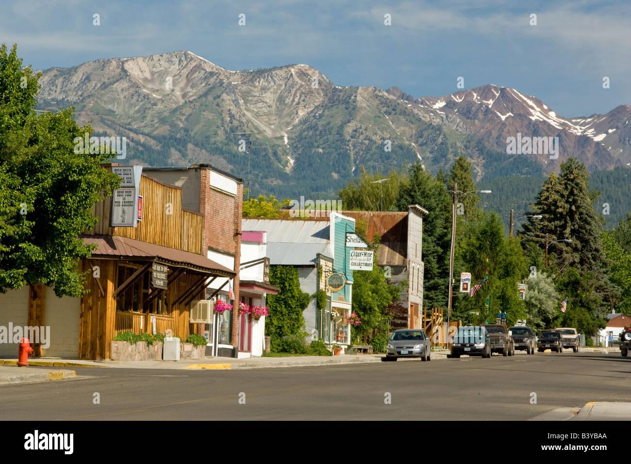 Main street with Wallow Mountains Halfway Oregon - Stock Image