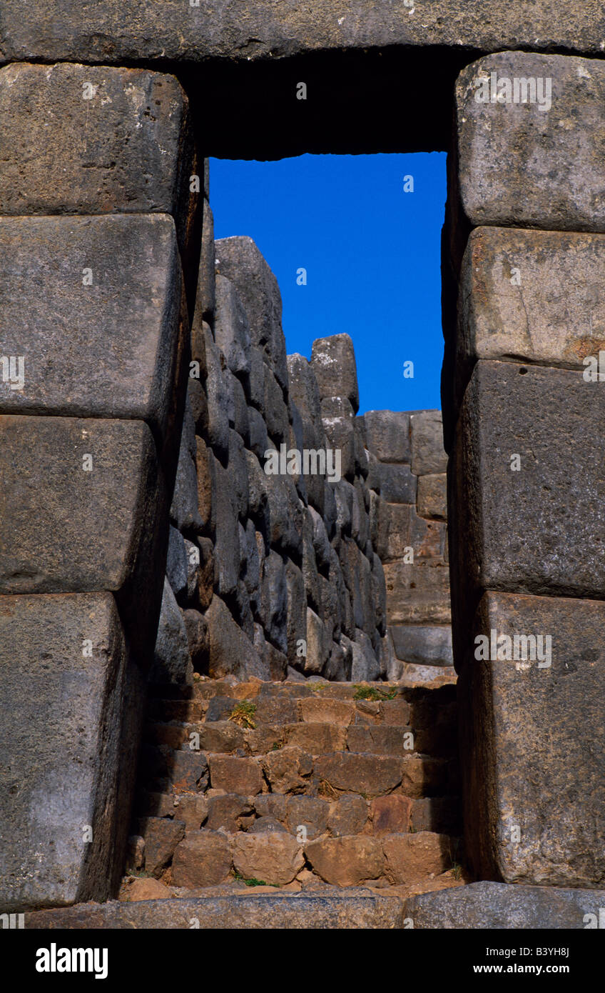 Peru, Cusco, Cusco. Sacsayhuaman fortress above Cusco is one of the most impressive of all the Inca ruins. The trapezoidal - Stock Image