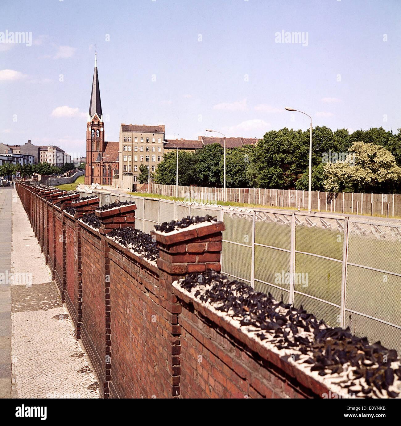Berlin Wall 1970s Stock Photos & Berlin Wall 1970s Stock
