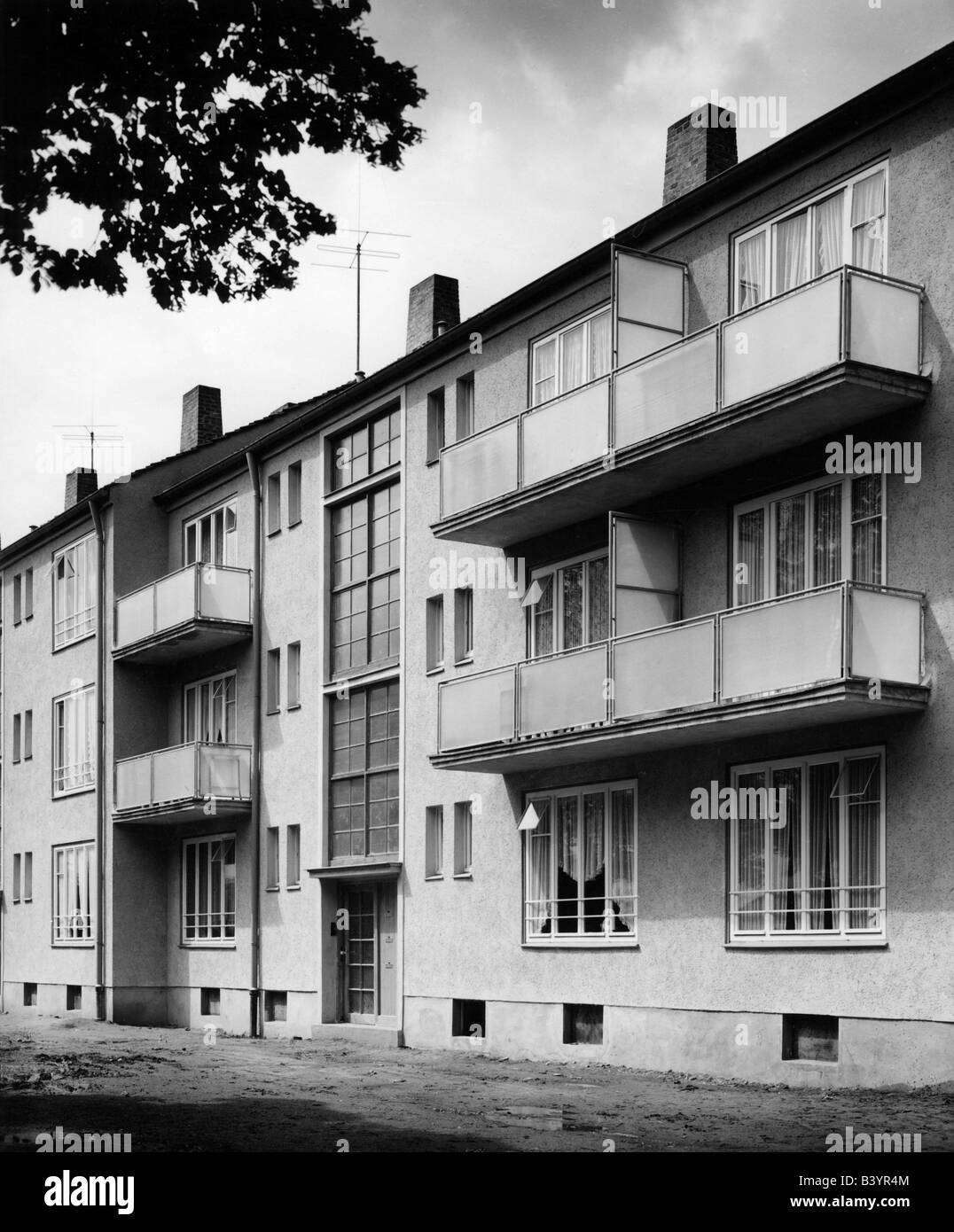 architecture, buildings, appartement house, exterior view, Germany, 1952, Additional-Rights-Clearances-NA - Stock Image