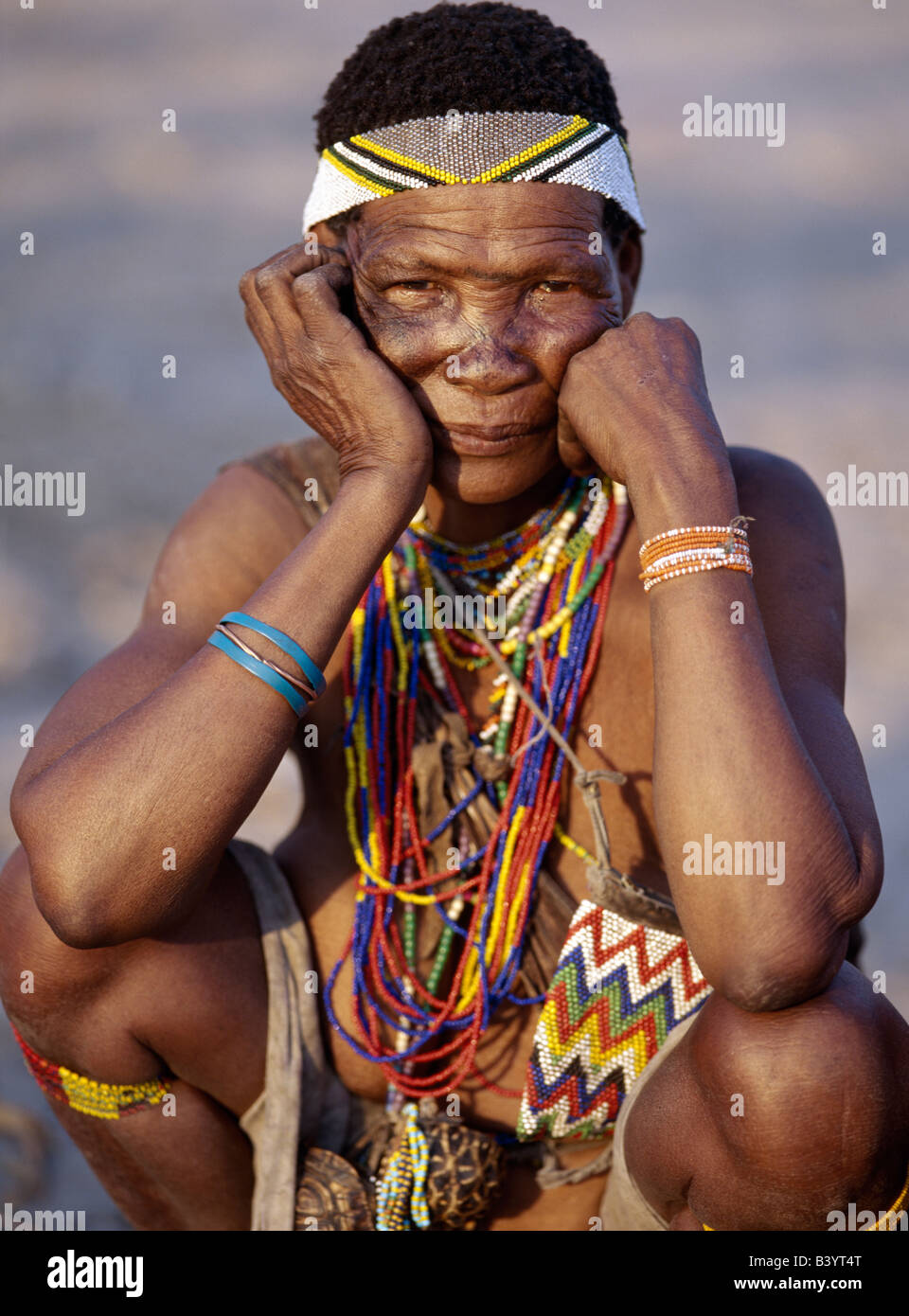namibia eastern bushmanland tsumkwe an old kung woman the kung