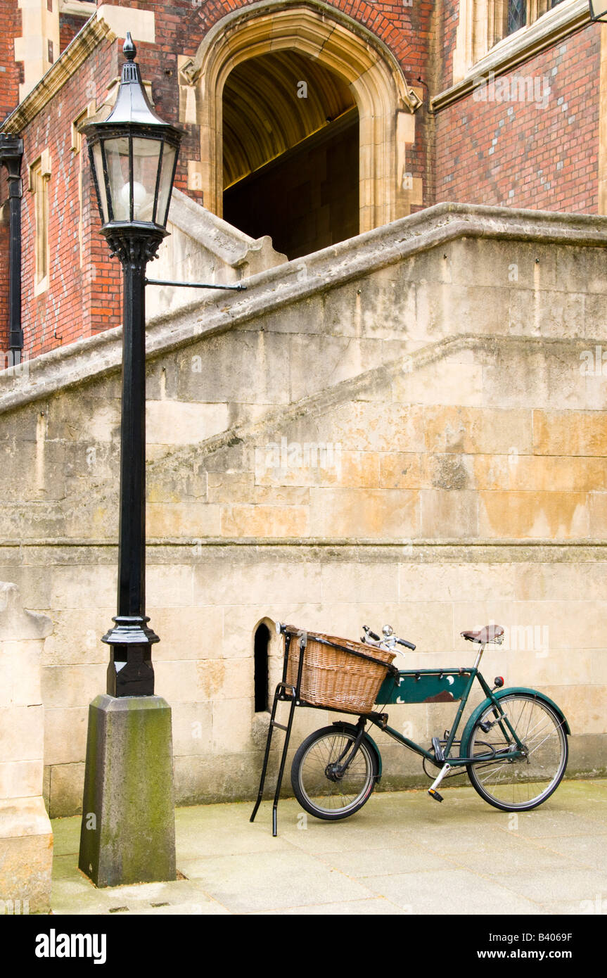Lamppost and old bicycle, London, UK - Stock Image