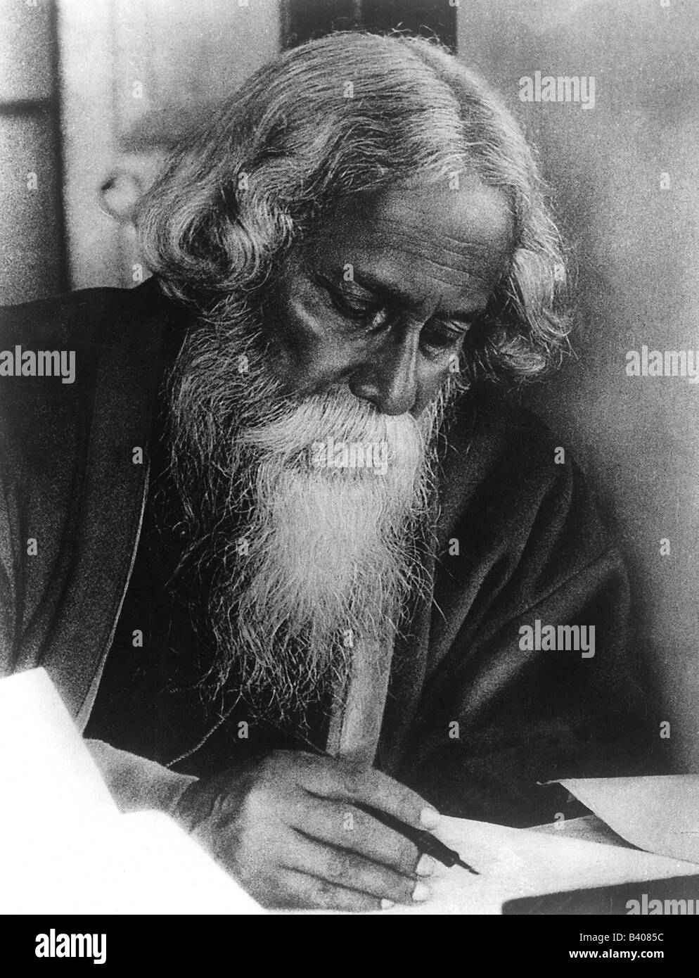 rabindranath tagore as a poet essay The works of rabindranath tagore consist of poems, novels, short stories, dramas, paintings, drawings, and music that bengali poet and brahmo philosopher rabindranath tagore created over his lifetime.