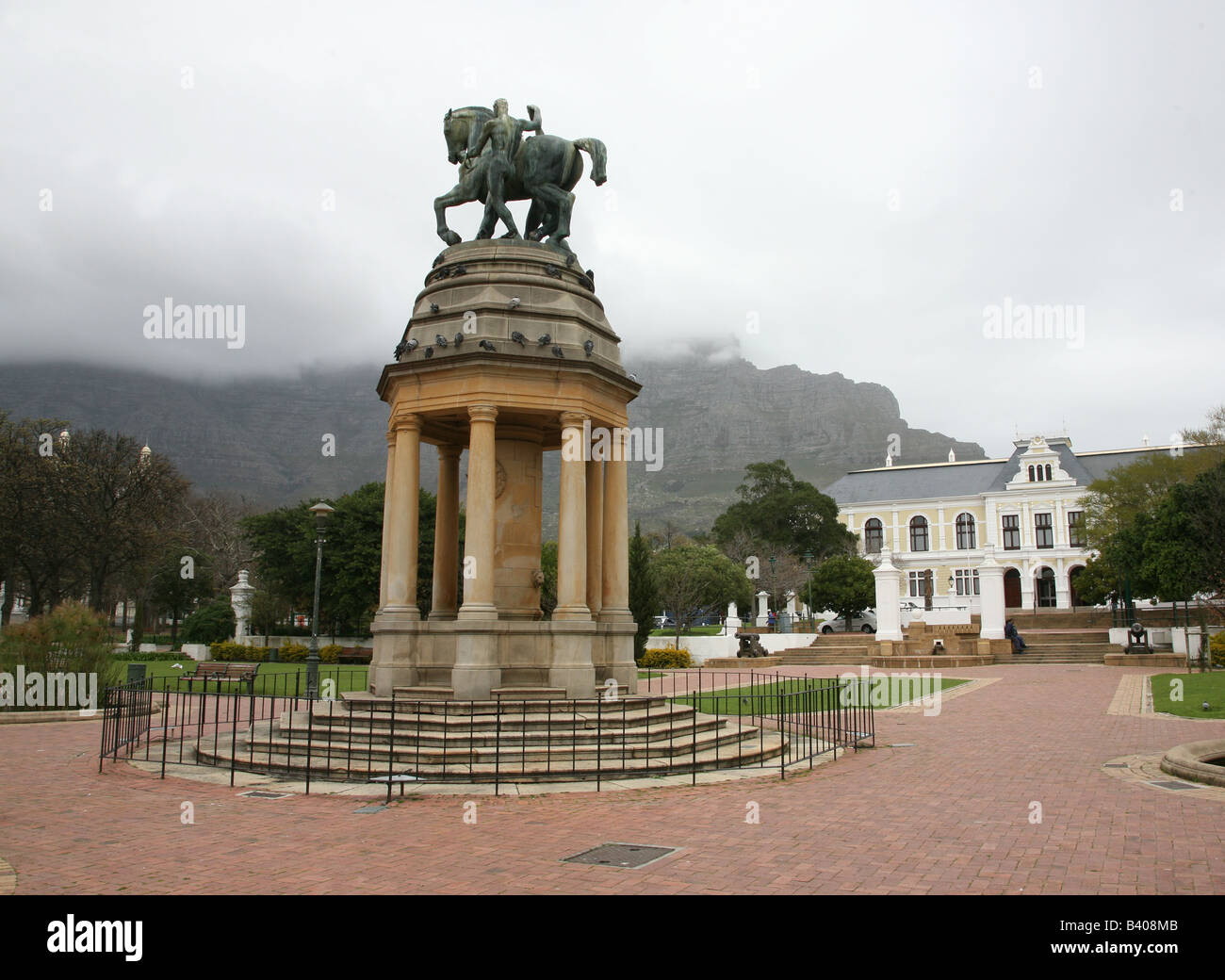 A statue of a horse and rider in the Company's gardens, Cape Town, South Africa - Stock Image