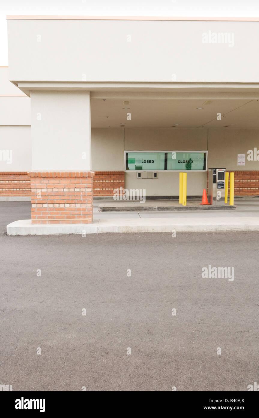 Drive-thru bank in Flagstaff, Arizona, USA. - Stock Image