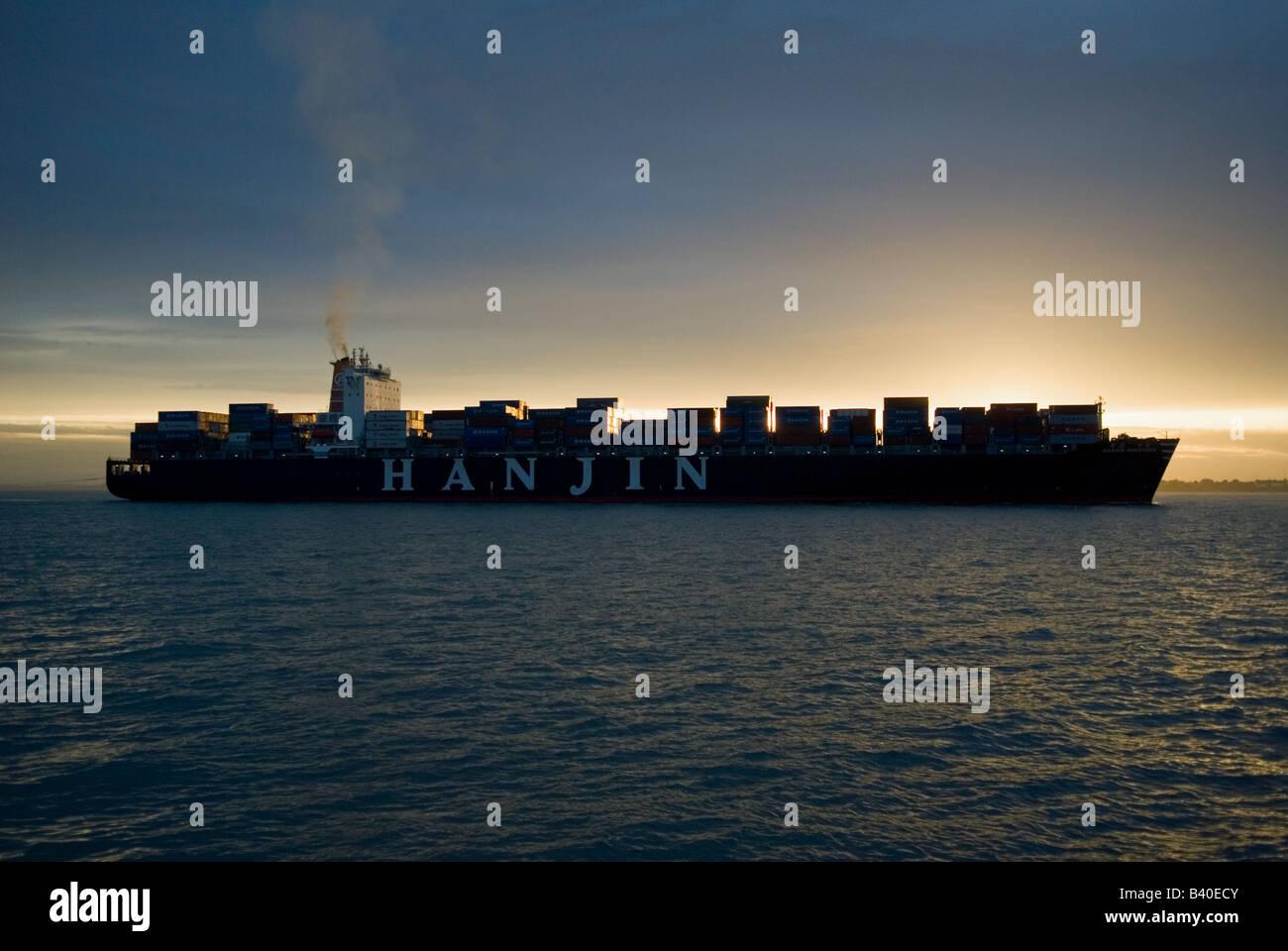 000 Ton Ship Stock Photos & 000 Ton Ship Stock Images - Page