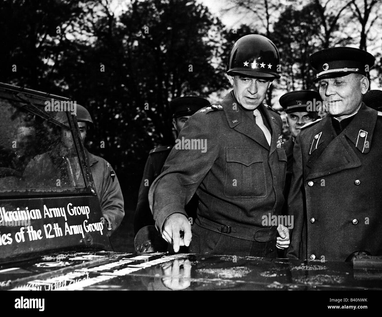 events, Second World War / WWII, Germany, Torgau on the Elbe, meeting of Soviet and American soldiers, US General Stock Photo