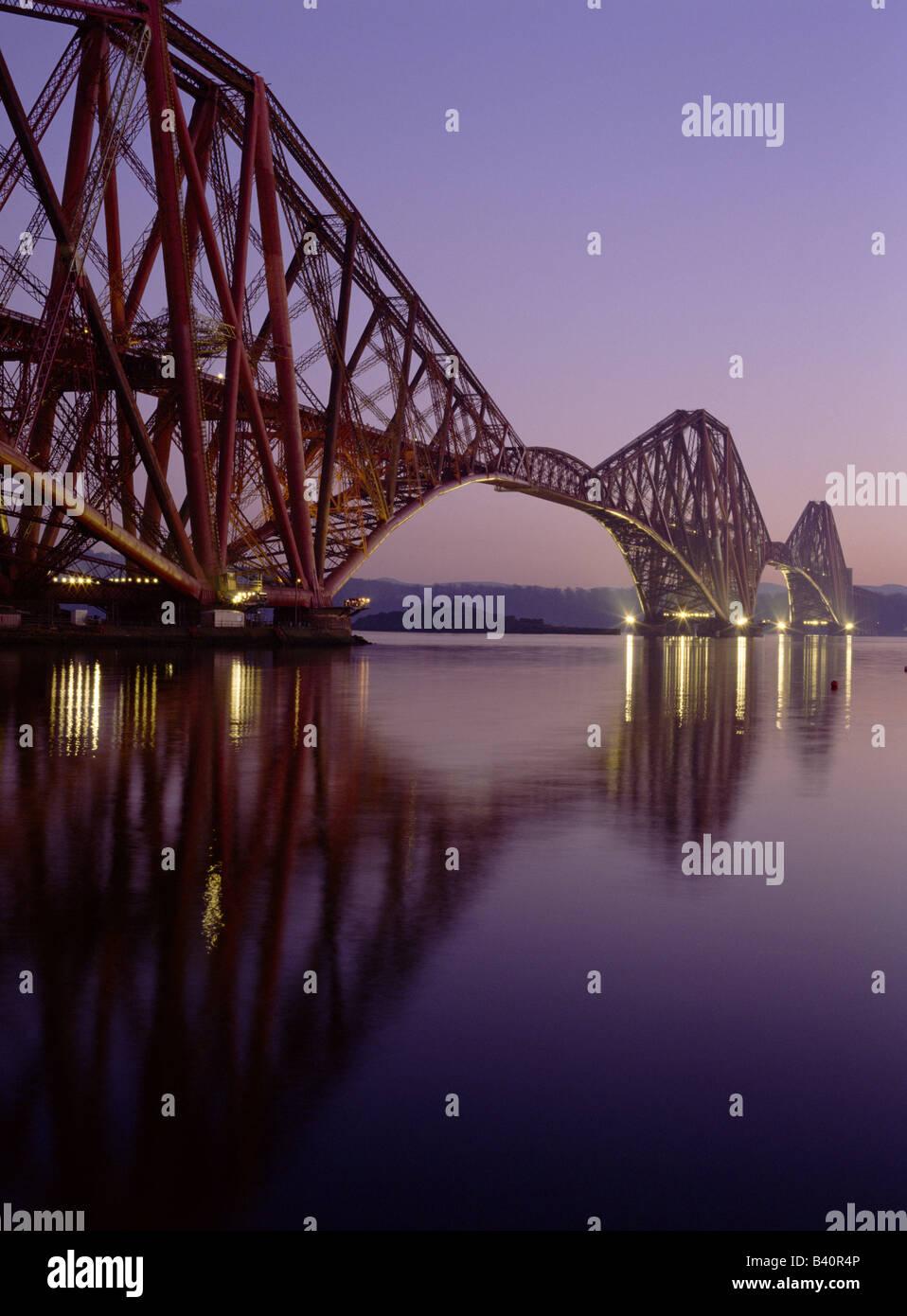 dh Forth Railway Bridge FORTH BRIDGE FORTH BRIDGE Victorian Cantilever bridge Firth of Forth river rail scotland - Stock Image