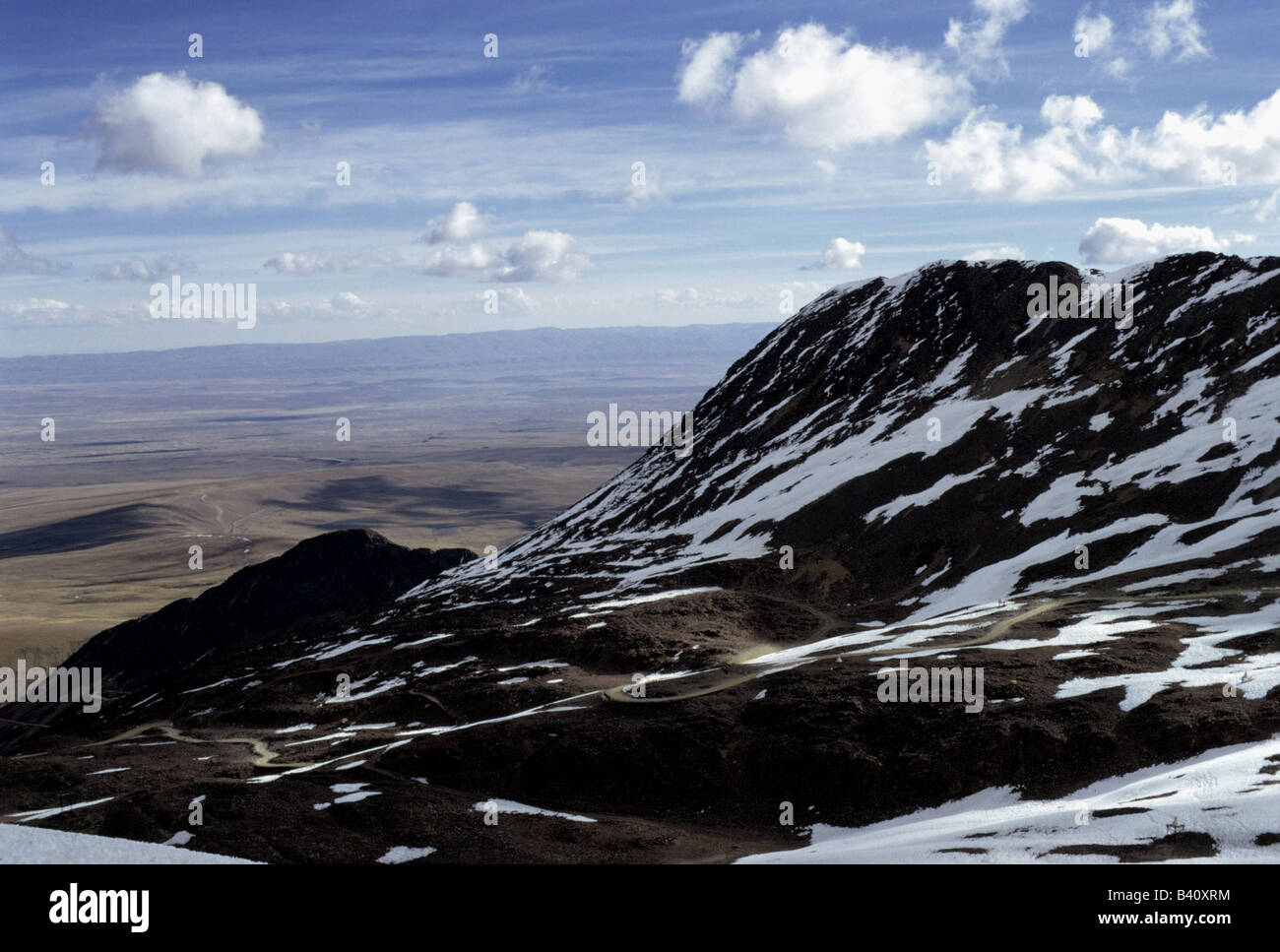 geography / travel, Bolivia with La Paz, observatory for cosmic physics, view into plane, Andes, mountains, mountain, - Stock Image