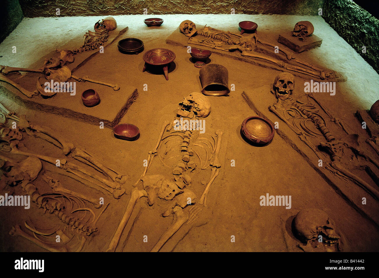 geography / travel, Mexico, Mexico City, original reconstruction of a grave find with burial objects, anthropological - Stock Image