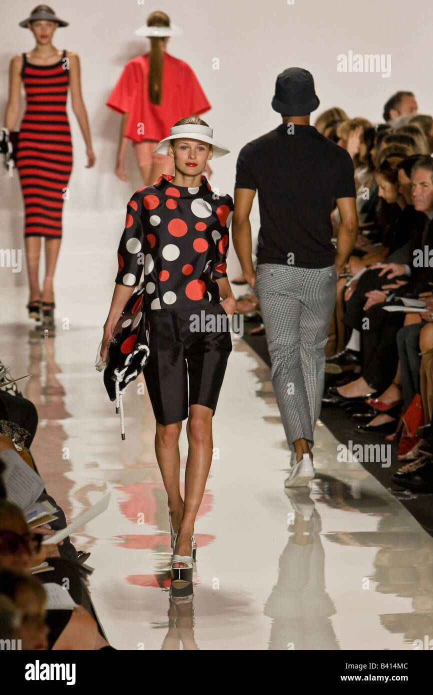 44d24b7987f84 Michael Kors presents Spring   Summer 2009 Women s   Men s ready to wear  collection.