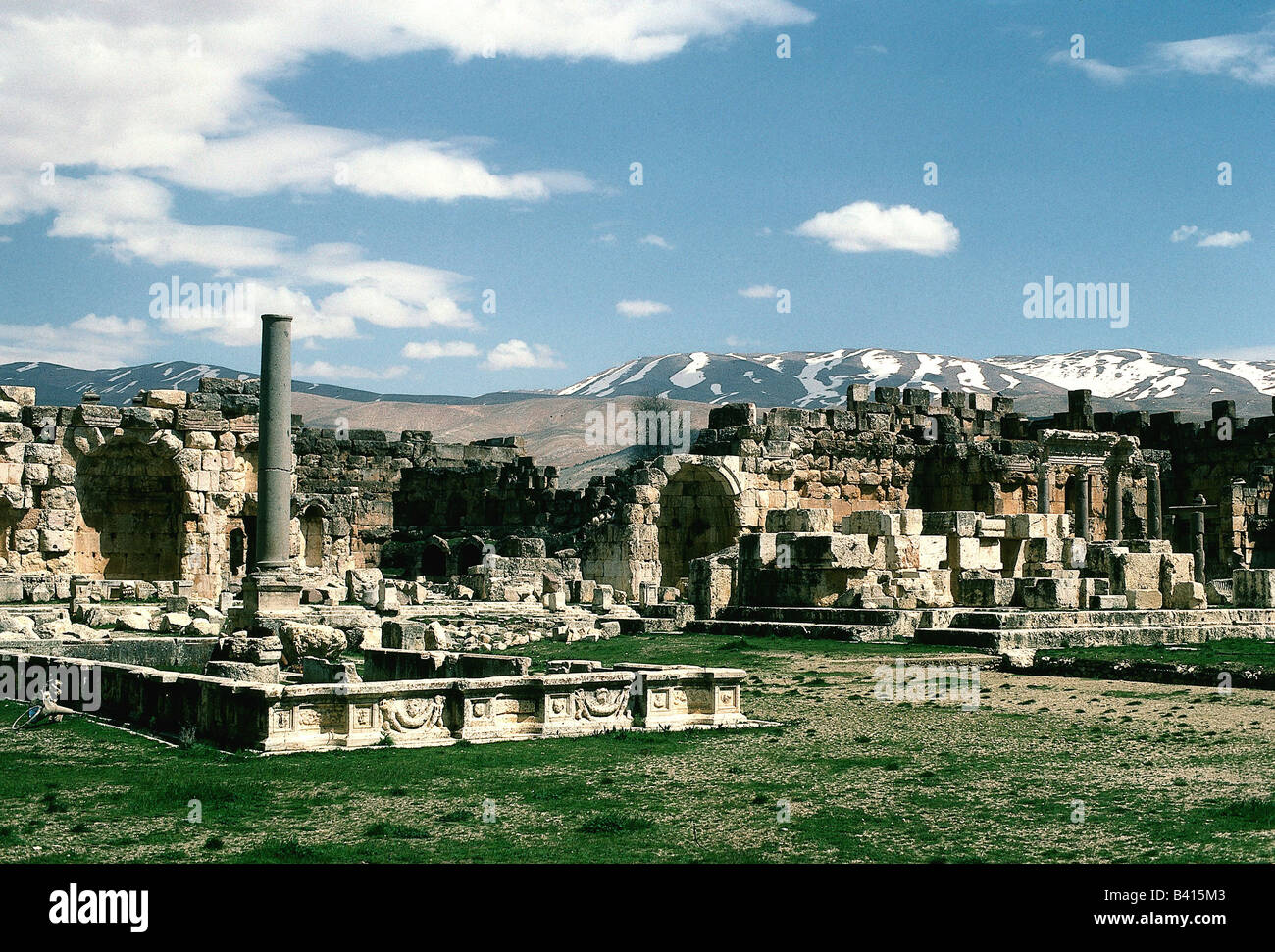 geography / travel, Lebanon, Baalbeck, overview, northern side, ruin, excavations, archaeology, , Additional-Rights - Stock Image