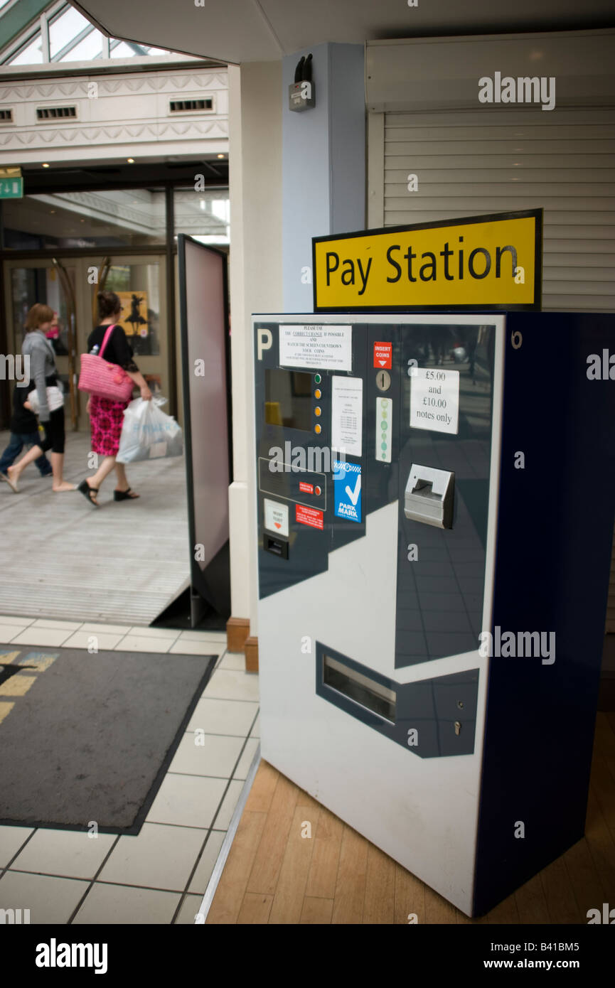 Pay Station For Car Park In Shopping Mall Shoot Ref 3688