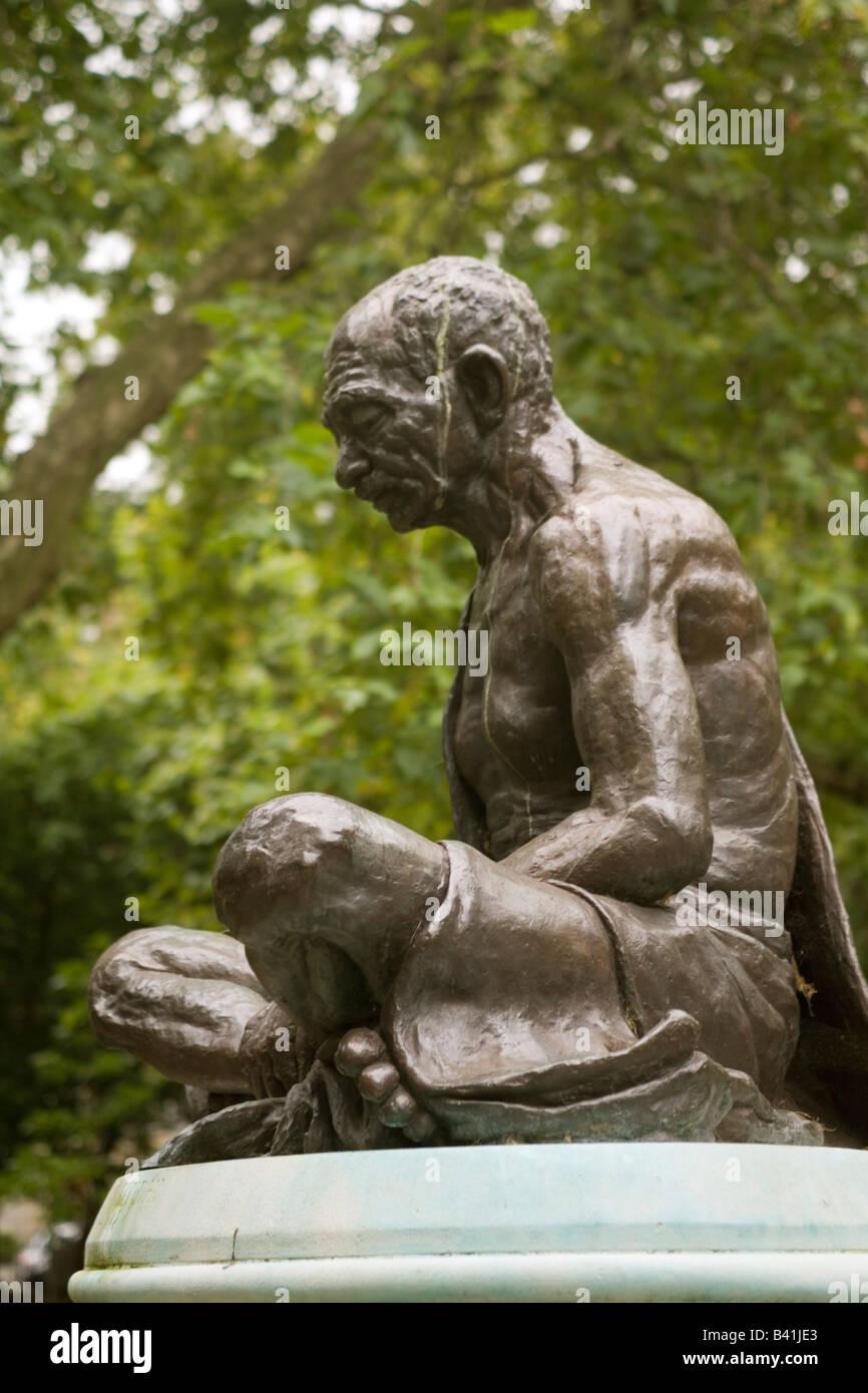 England London Mahatma Gandhi statue Tavistock square - Stock Image