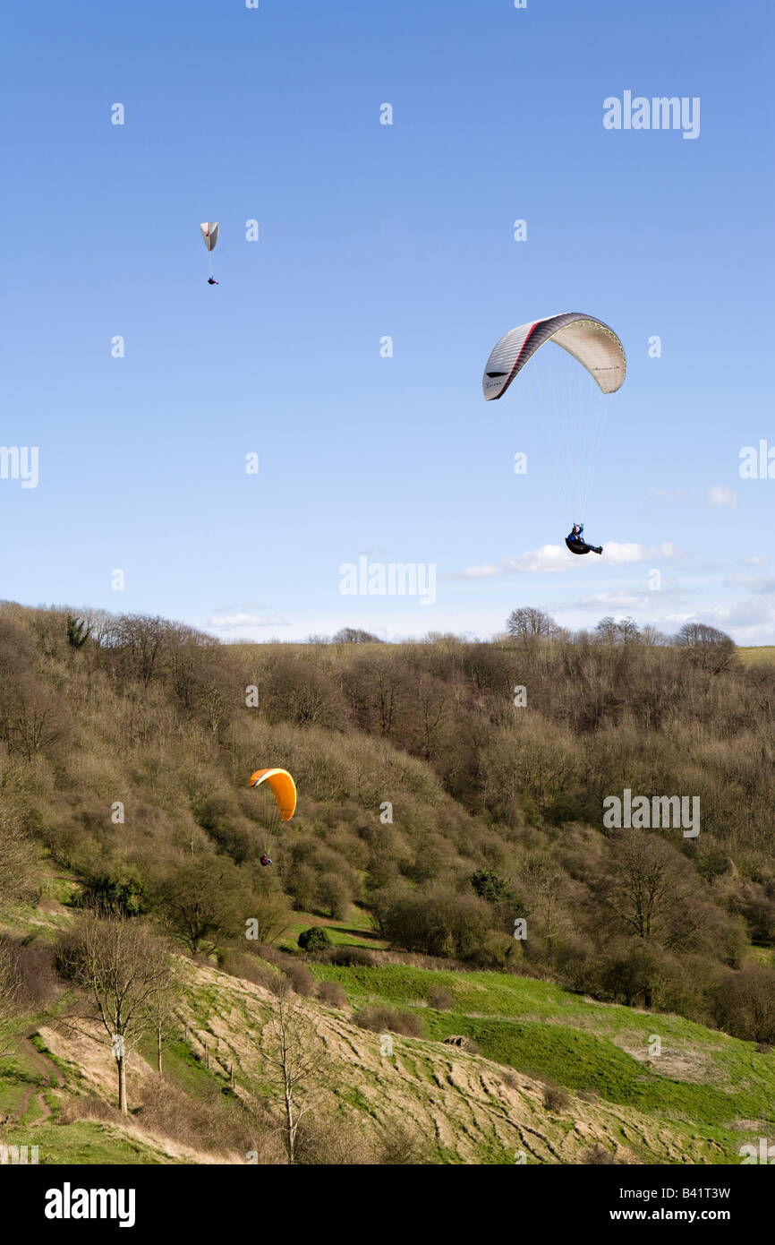 Paragliding on the Cotswold scarp at Haresfield Hill, Gloucestershire - Stock Image