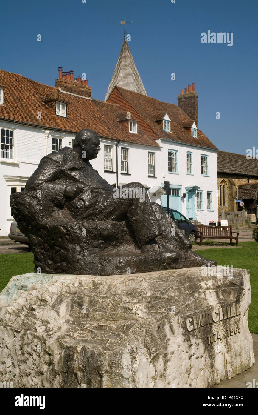 England Kent Westerham churchill statue - Stock Image