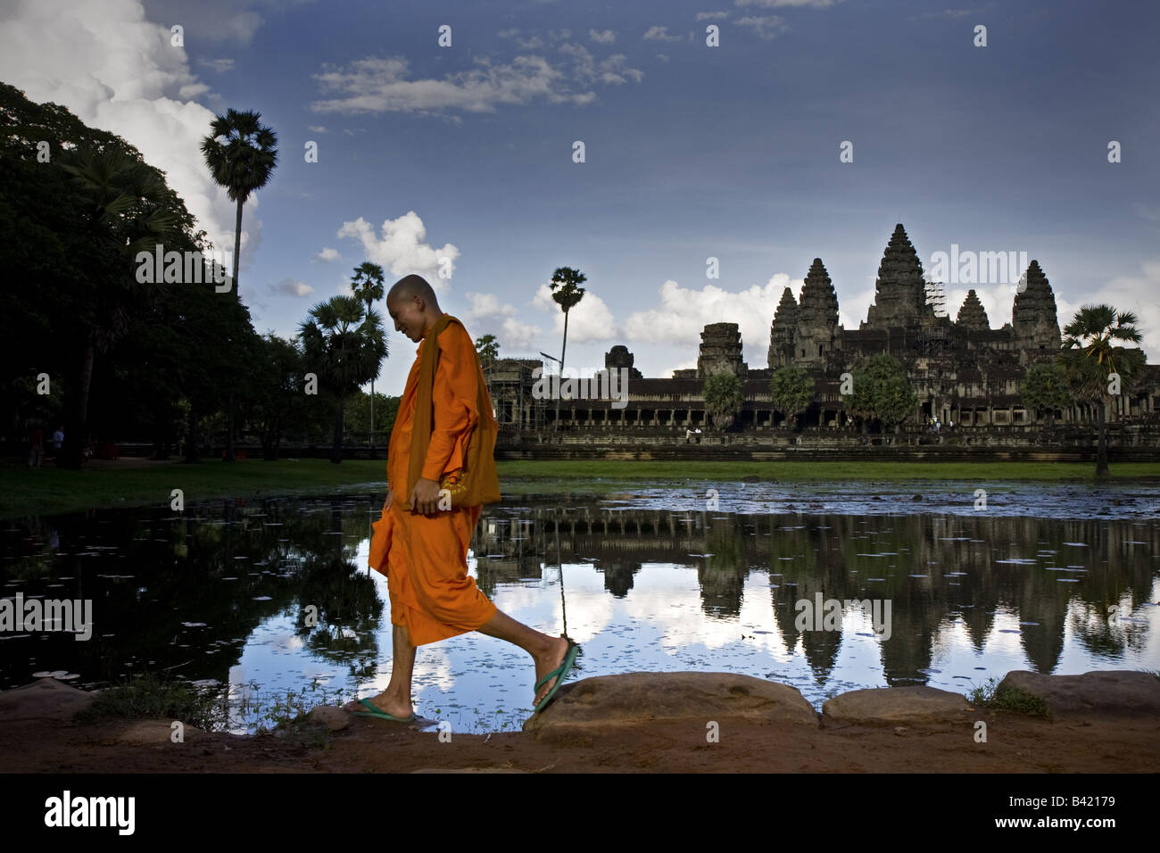 Monk in temple of Angkor wat Cambodia - Stock Image