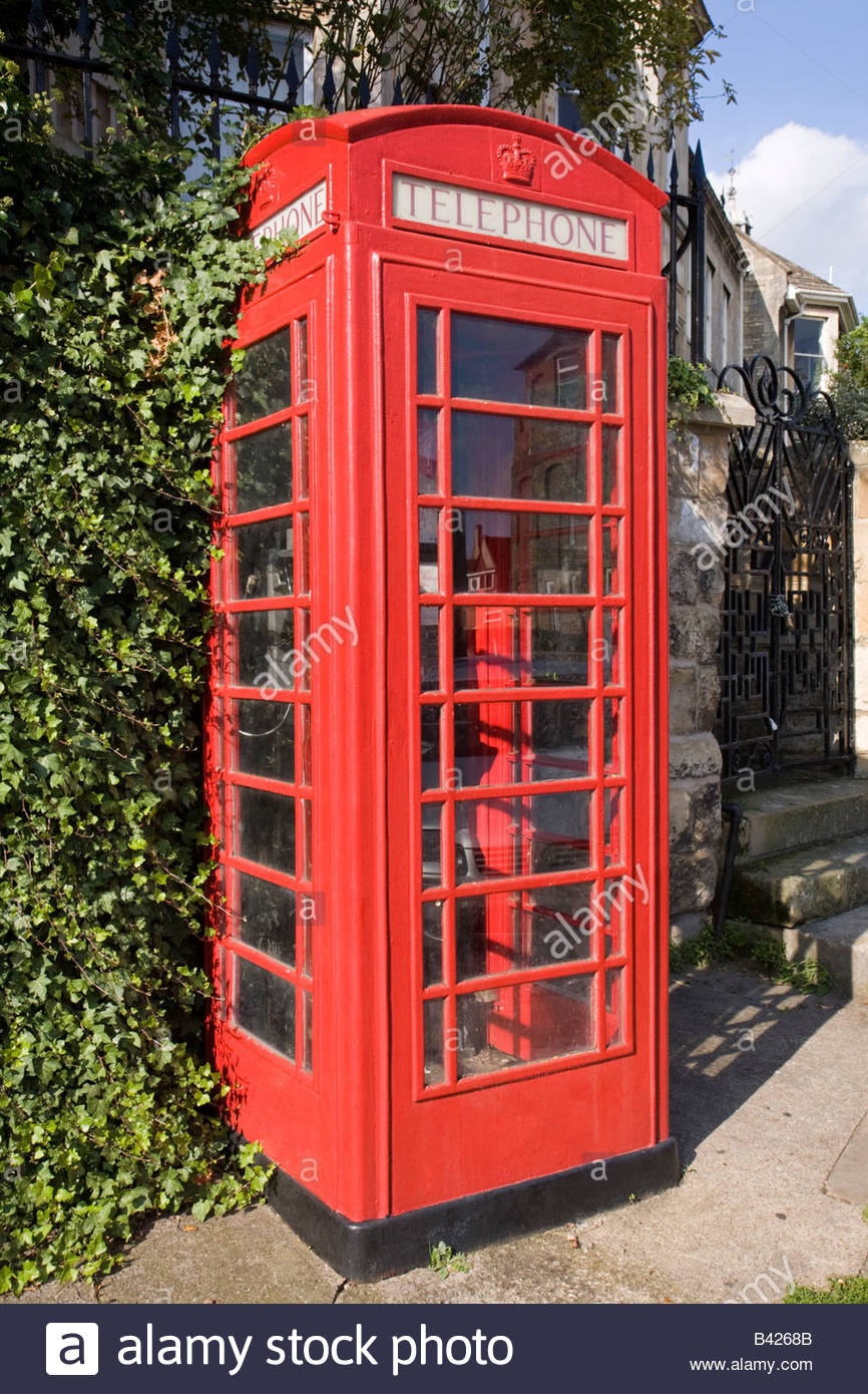 K6 telephone kiosk - Stock Image