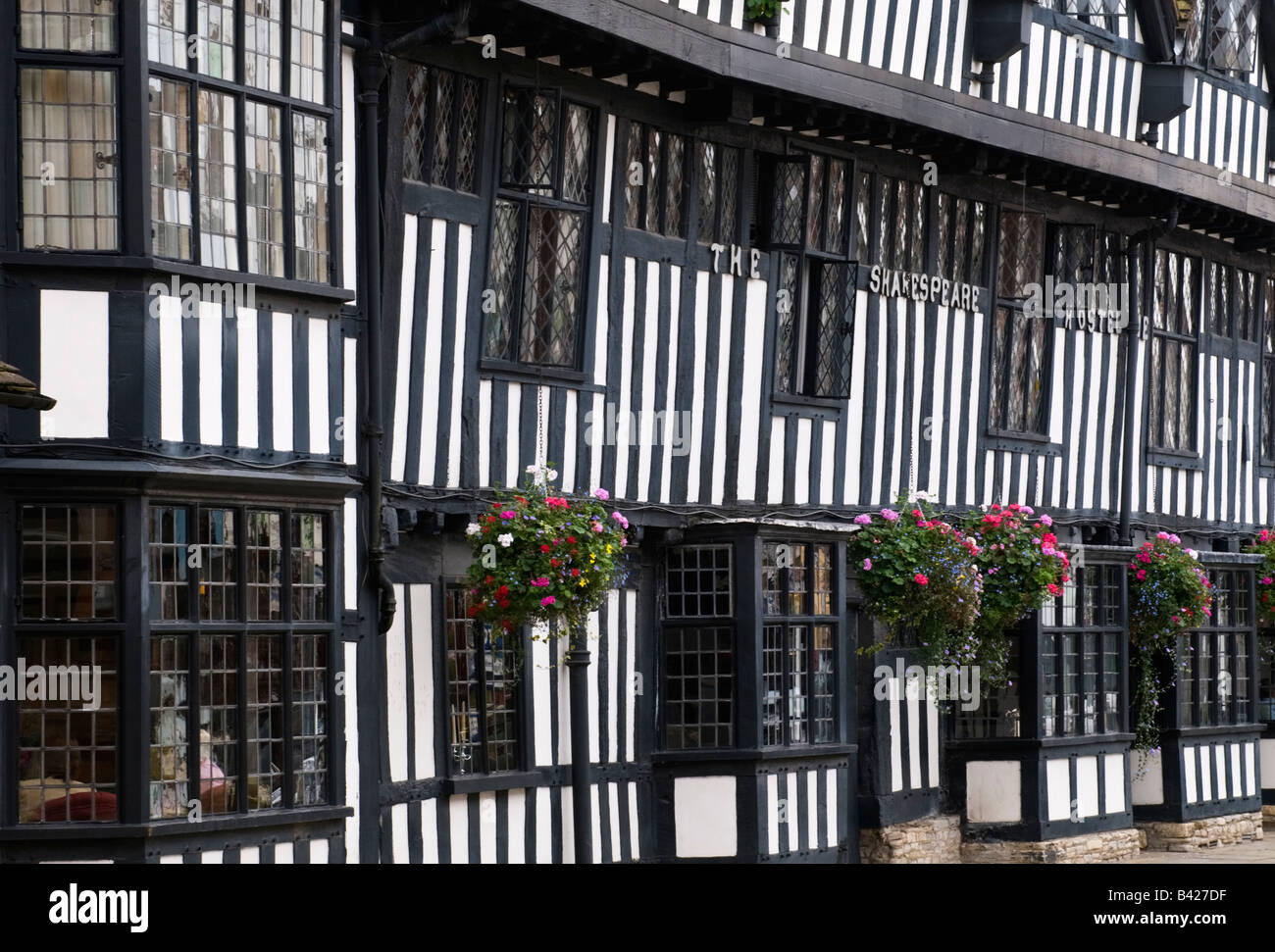 Tudor exterior of the famous Shakespeare Hotel in Stratford Upon Avon - Stock Image