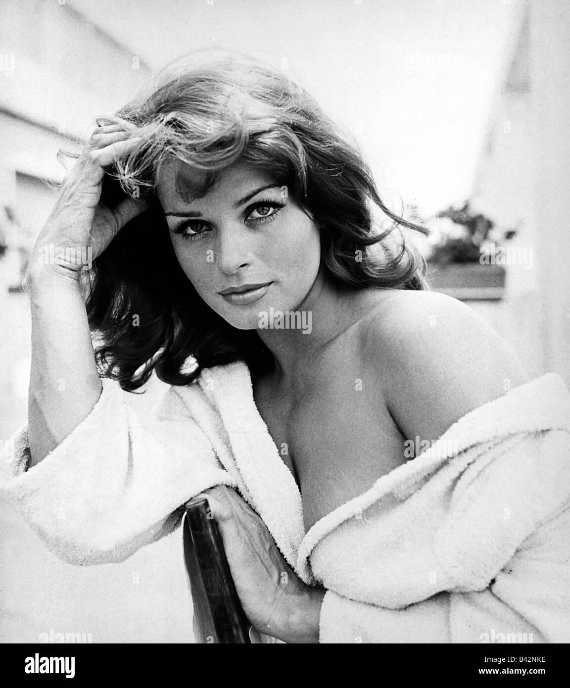 Berger, Senta, * 13.5.1941, Austrian actress, portrait, 1960s, Stock Photo