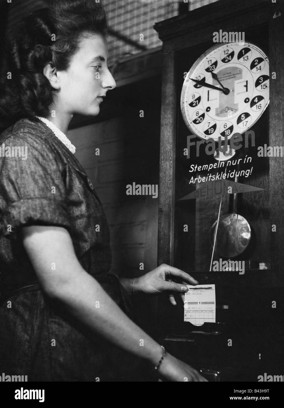 events, Second World War / WWII, Germany, wartime economy, student in armaments industry, clocking in, Bonn 1941, - Stock Image