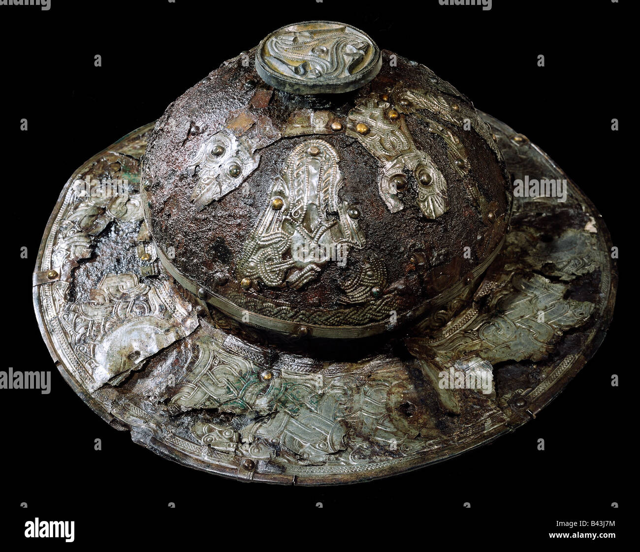 fine arts, Vikings, buckler, plate, iron with silver, gold and bronze, Urnes, Altuna, Sweden, 7th century AD, Statens - Stock Image