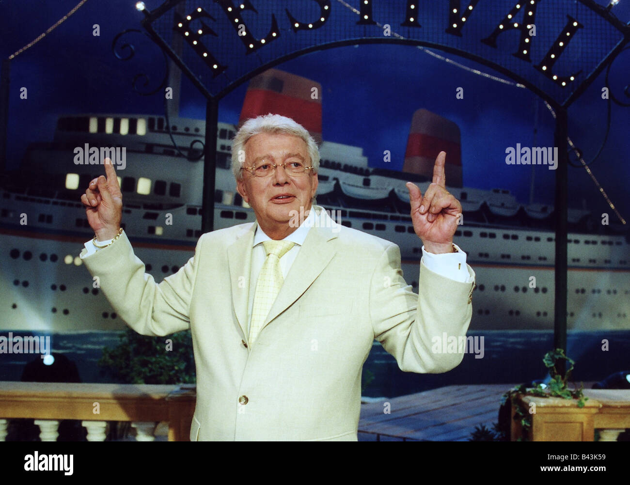 Heck, Dieter Thomas, * 29.12.1937, German singer and presenter, half length, half-length, 2002, Additional-Rights - Stock Image