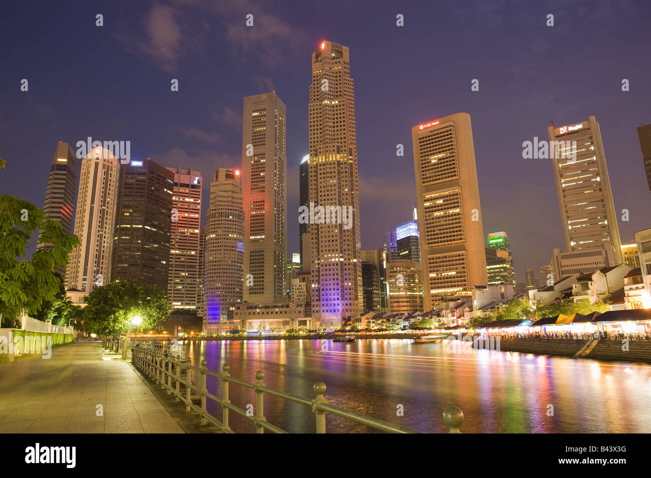 Asia Singapore Skyline Financial district at dusk - Stock Image