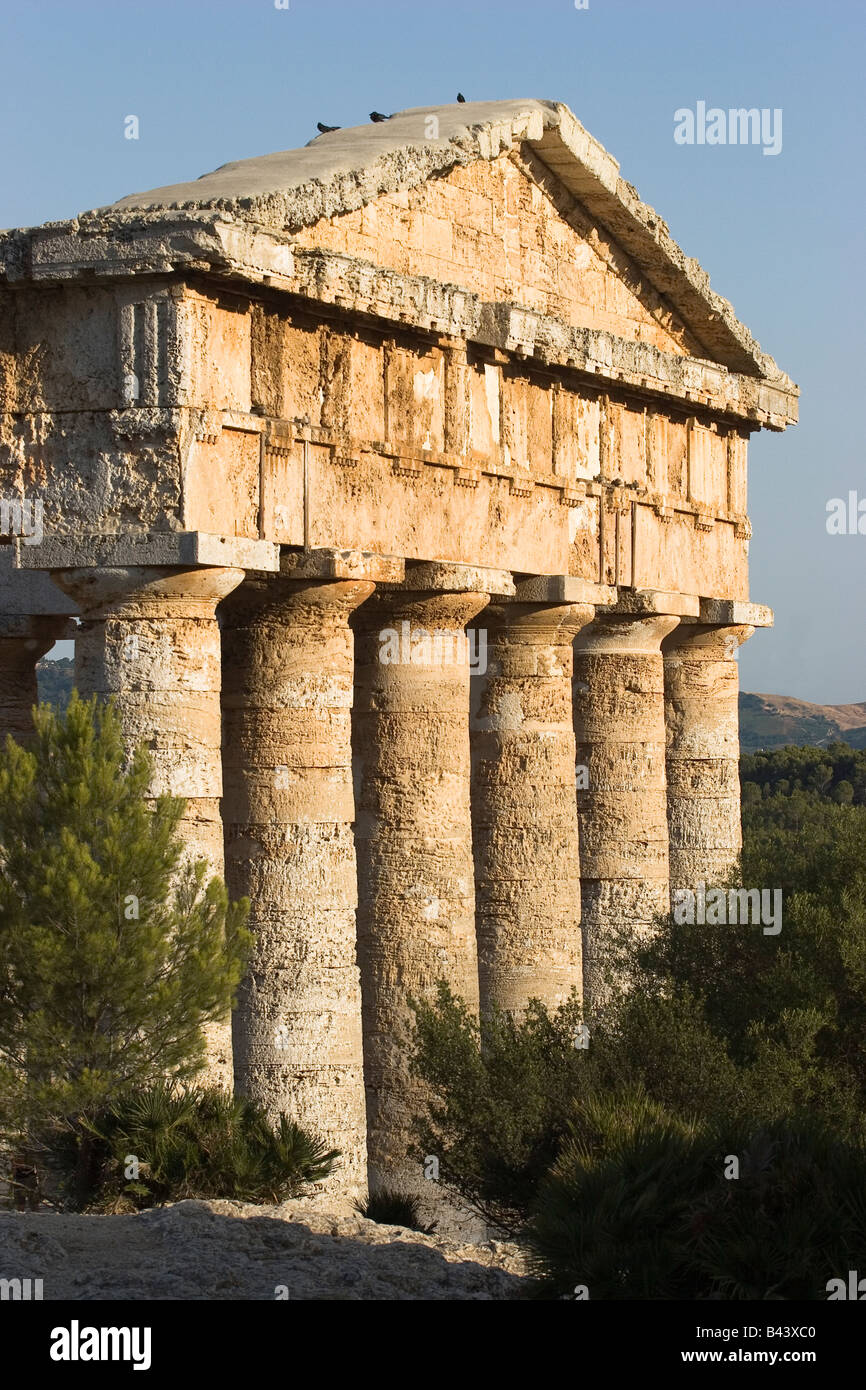 Doric temple in Segesta  ( major cities of the Elymian) built in the late 5th century BC,Calatafimi,Trapani,Sicily - Stock Image