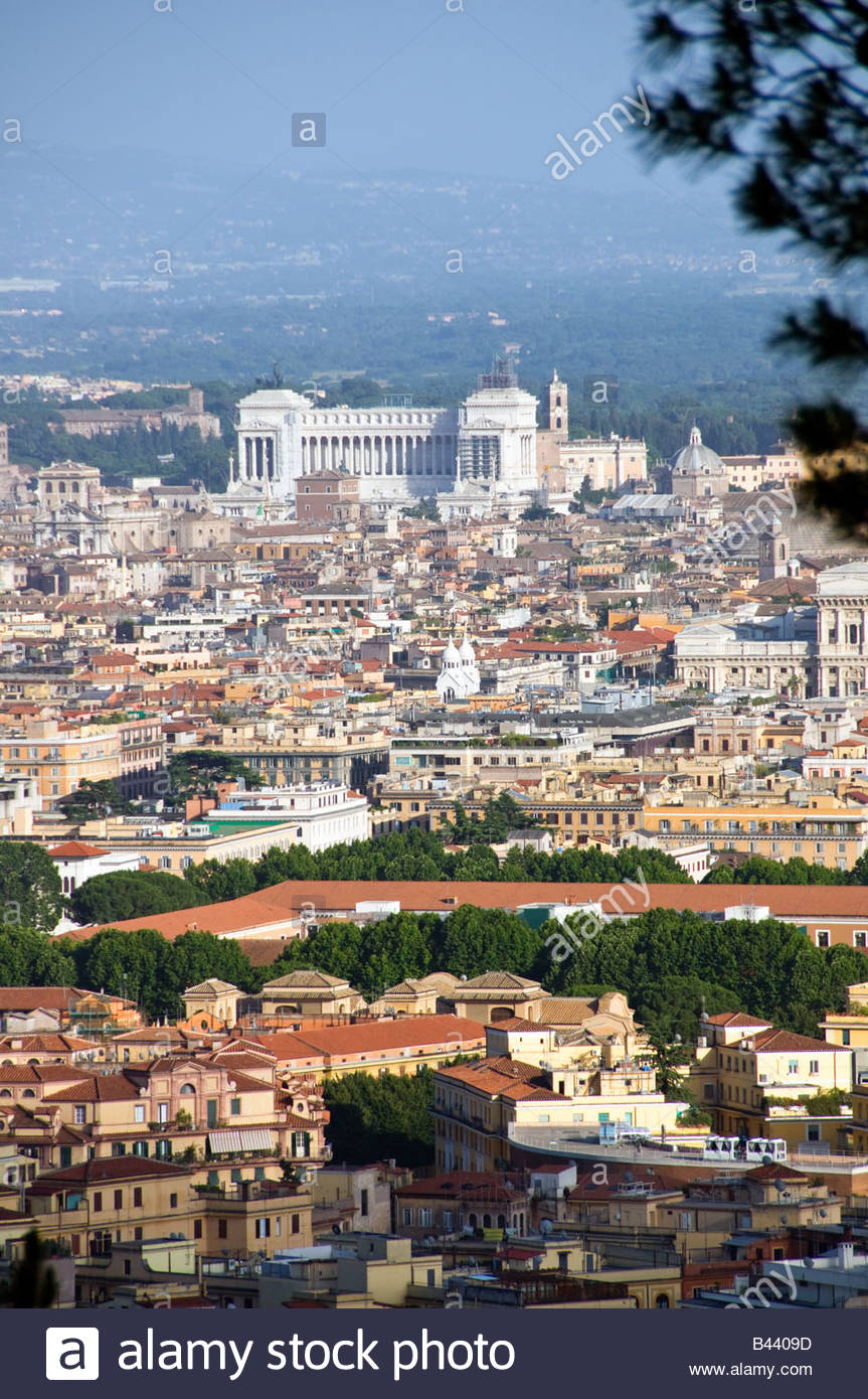 Scenic overview of Rome, Italy with the Vittoriano monument in distance - Stock Image