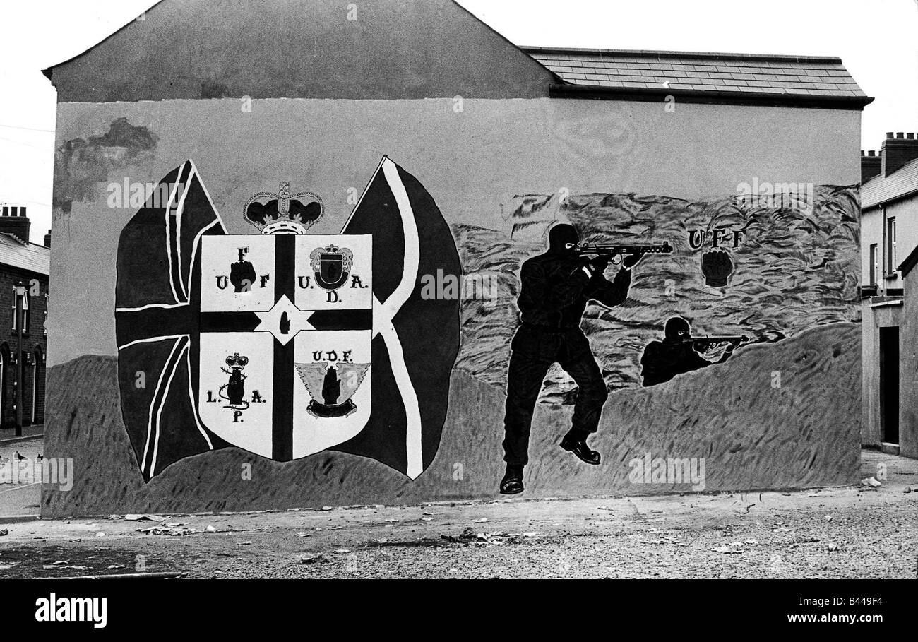 Gable wall Mural Off Crumlin Road Belfast July 1987 A group of local unemployed teenagers have finished this mural - Stock Image