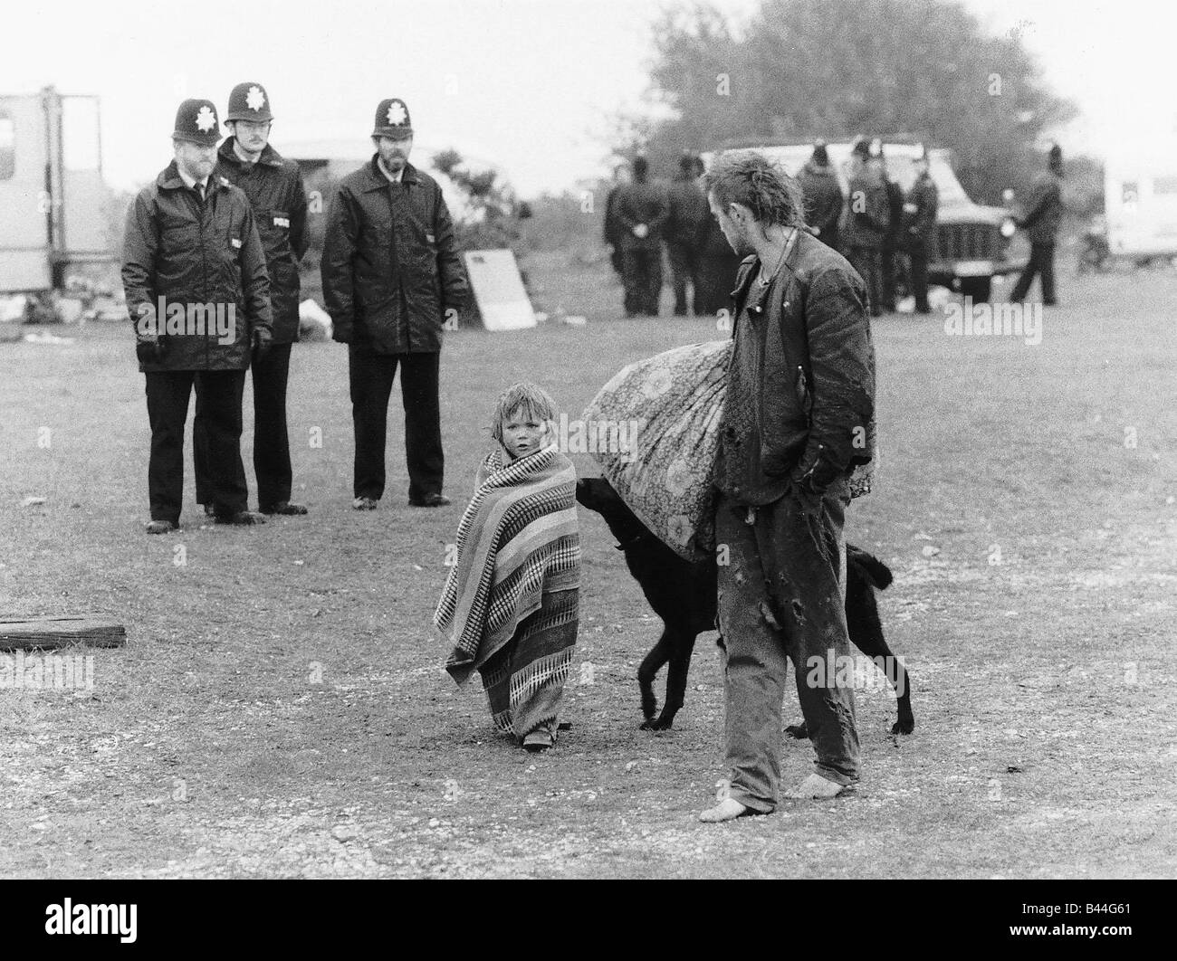 Hippies who occupied Stoney Cross in Hampshire were moved on by Police who towed the Hippies fleet of Vans and Cars - Stock Image