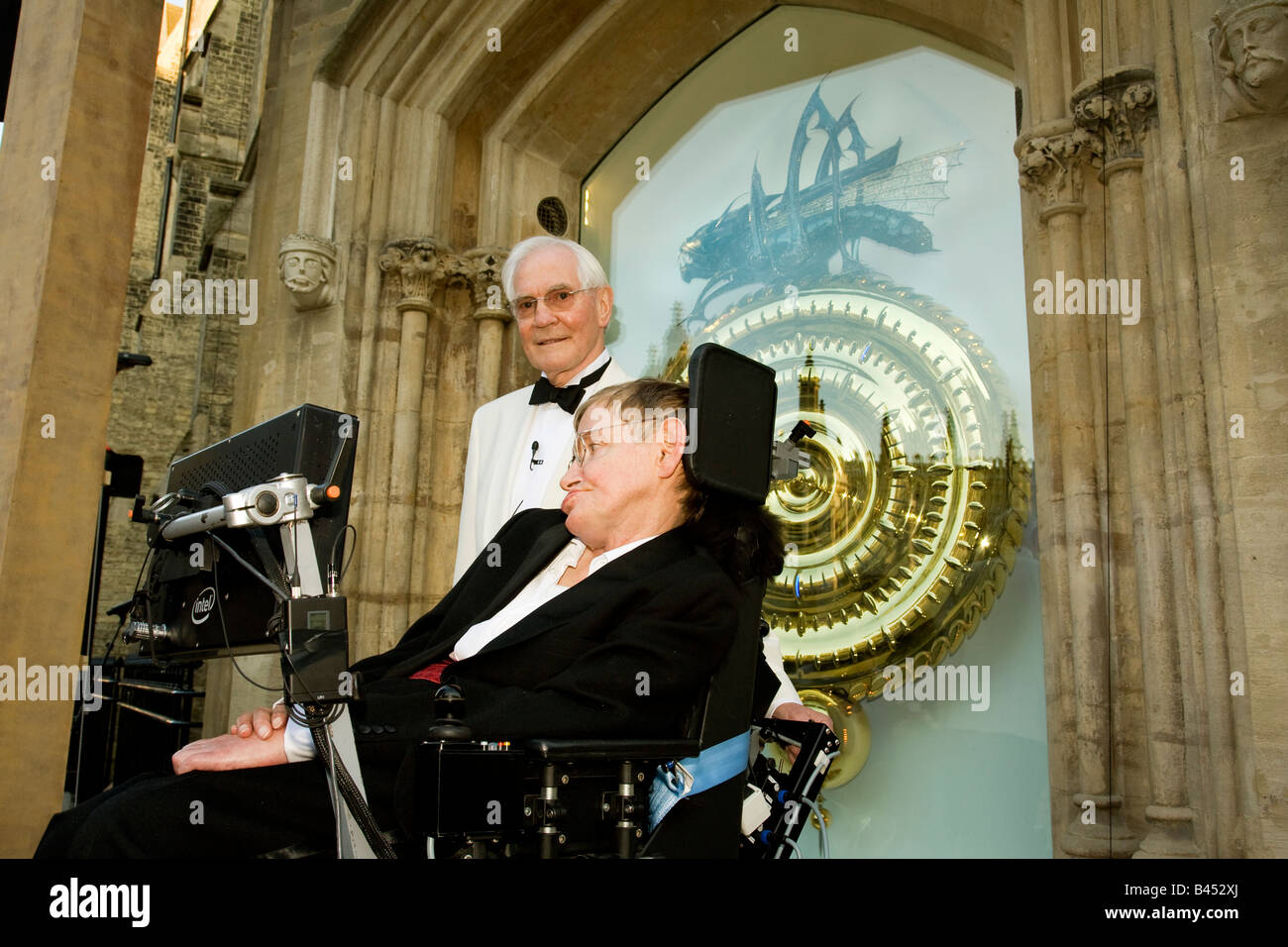 £1m Cambridge clock at Corpus Christi College library unveiled by Professor Stephen Hawking with inventor Dr John Stock Photo
