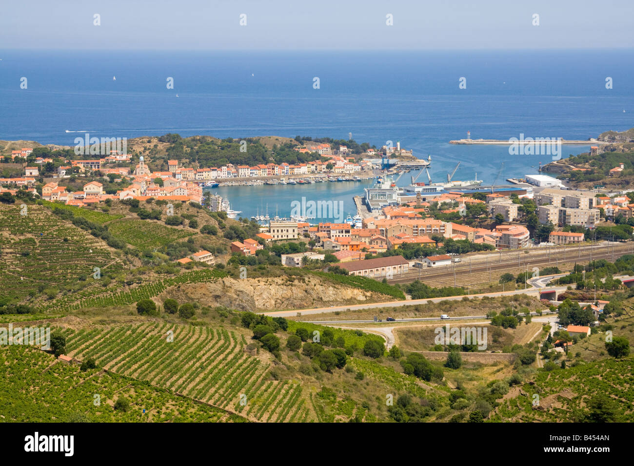 Port Vendres and its vineyards in the back country of the mediterranean Cote Vermeille, origin of the renowned wines - Stock Image