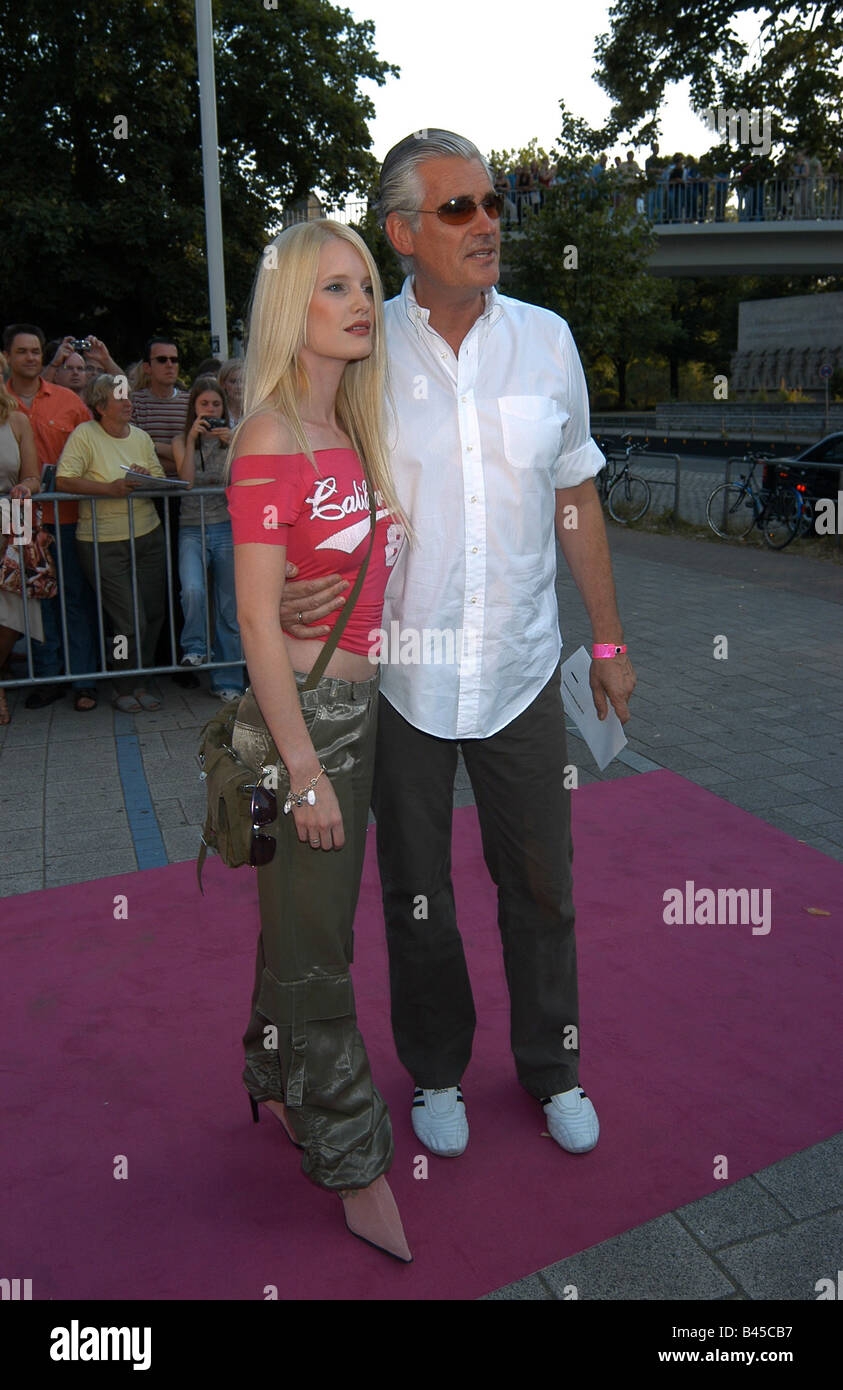 Dumont, Sky, * 20.5.1947, German actor, with his wife Mirja, film premiere 'Legally Blond 2', Hamburg, 2003, - Stock Image