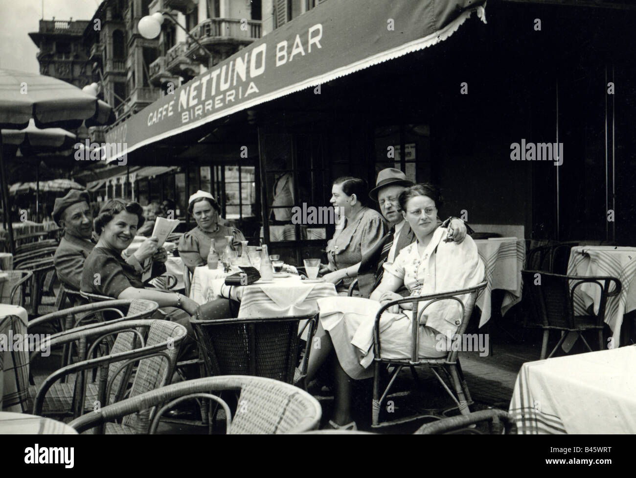 gastronomy, cafe / street cafe, terrace, guests, Riviera, 1939, Additional-Rights-Clearances-NA - Stock Image