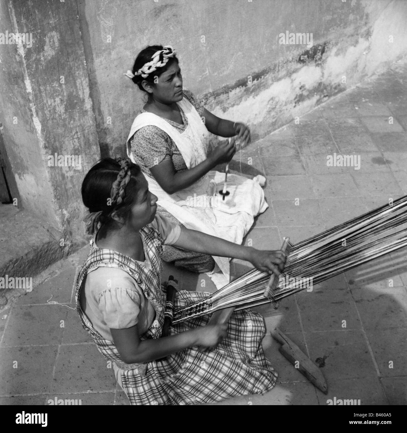 geography / travel, Mexico, craft / handcraft, weaving women, 1960s, Additional-Rights-Clearances-NA - Stock Image