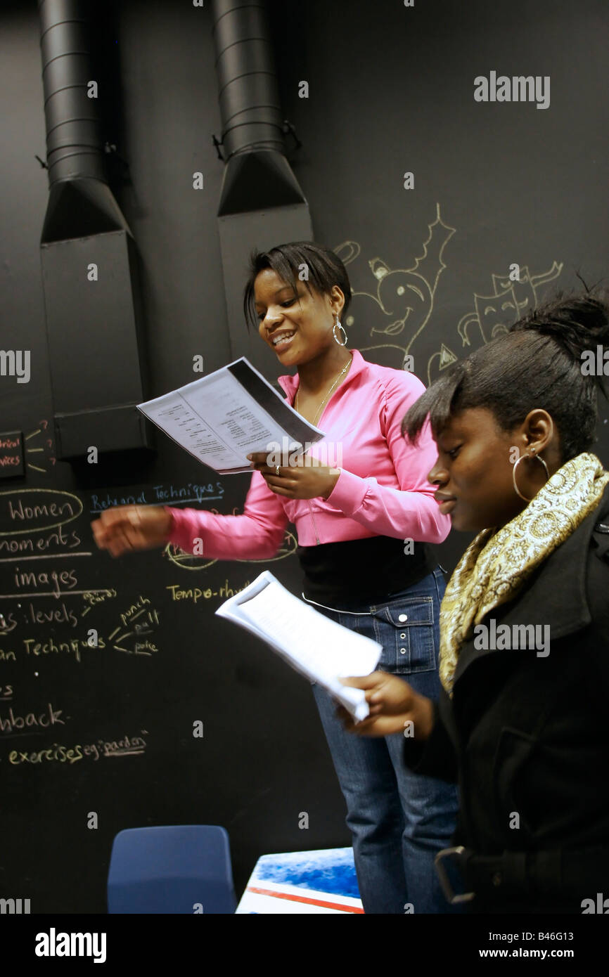 Female Students in Creative and Performing Arts at sixth form college GB UK - Stock Image