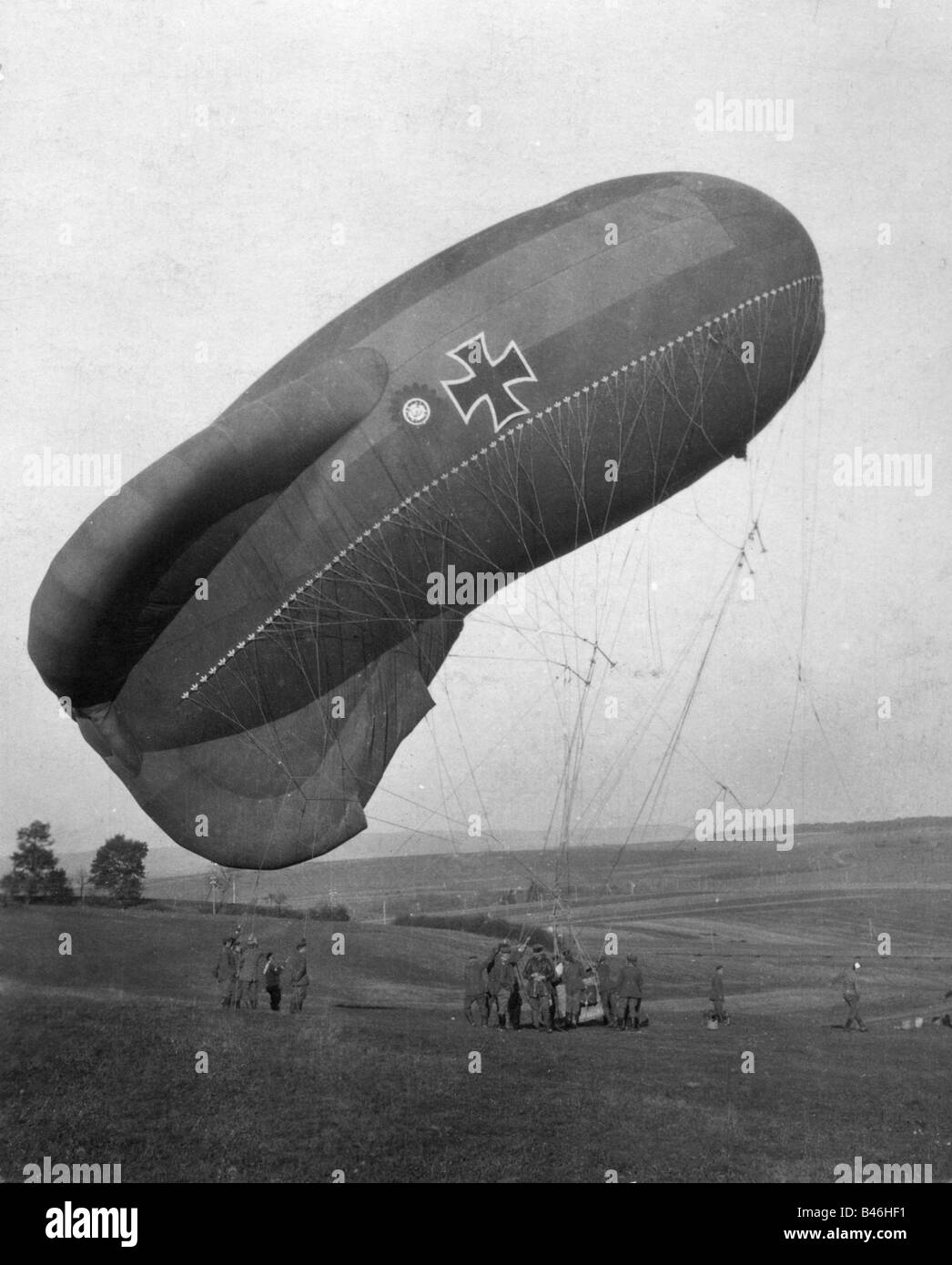 events, First World War / WWI, military, soldiers, artillery observer, balloon, Germany, 20th century, captive balloons, - Stock Image