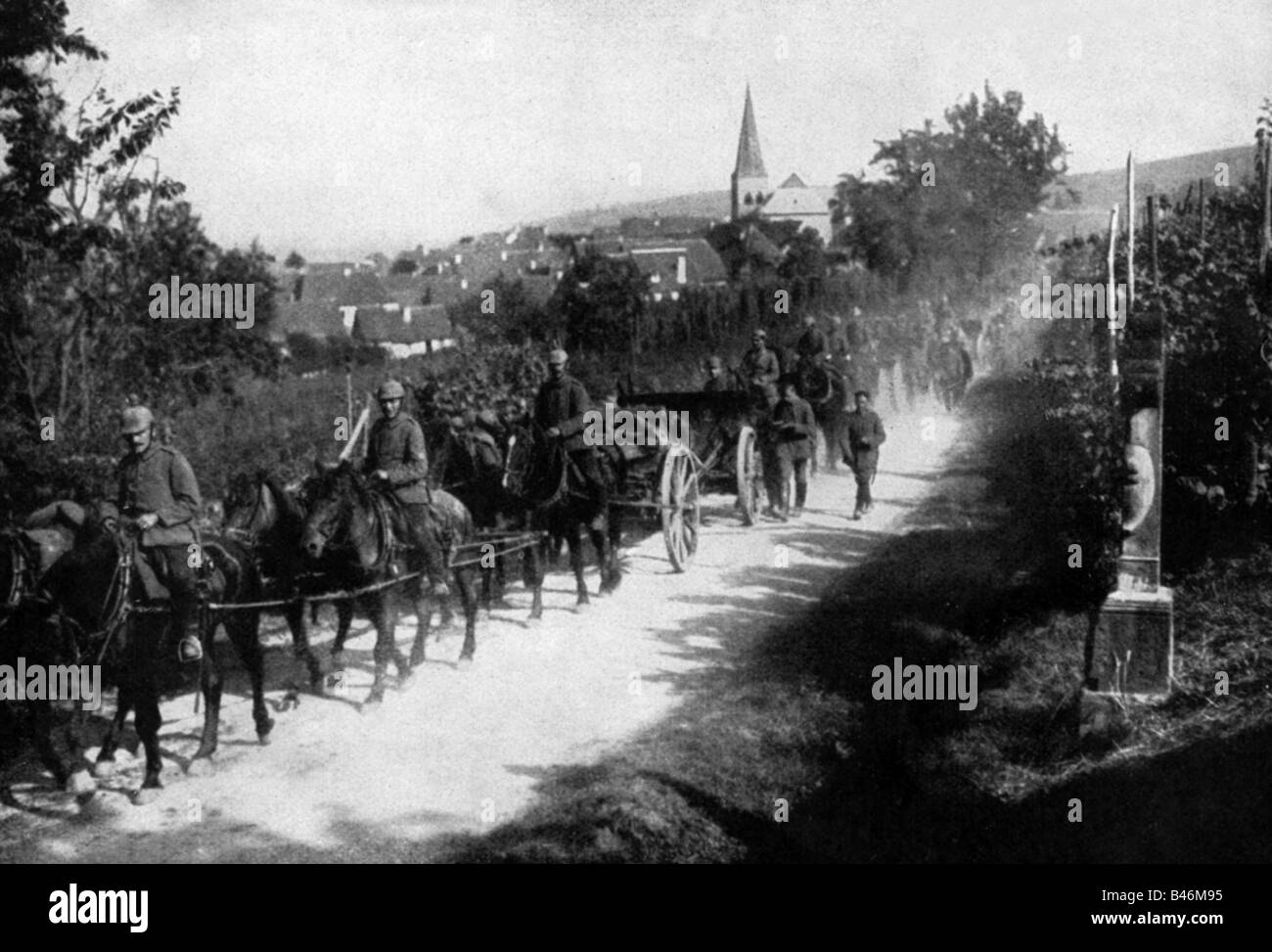 events, First World War / WWI, Western Front, advancing German artillery in Alsace-Lorraine, August 1914, Additional - Stock Image