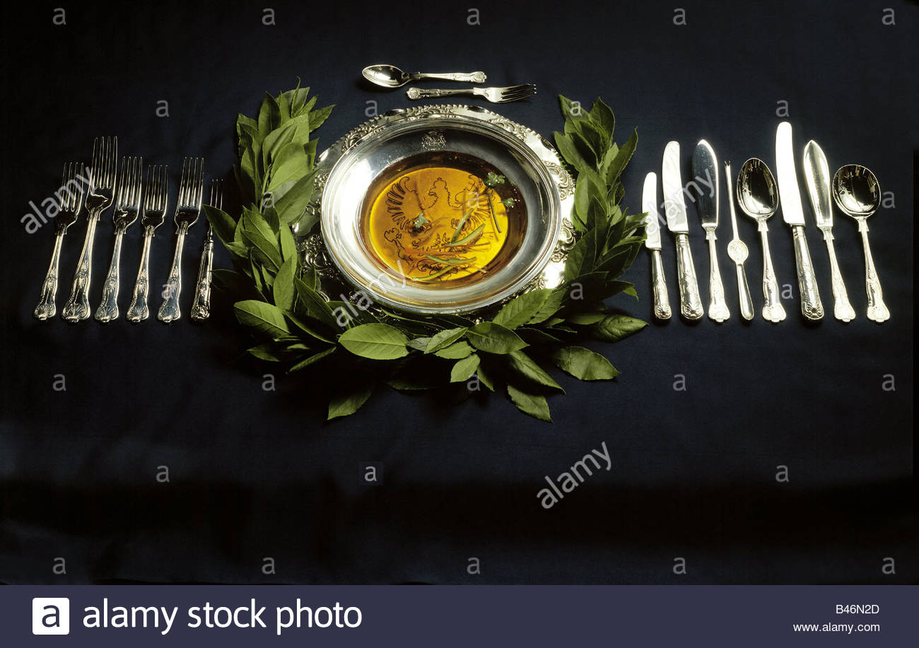 Dining Like A King Table Setting For An Eight Course Meal