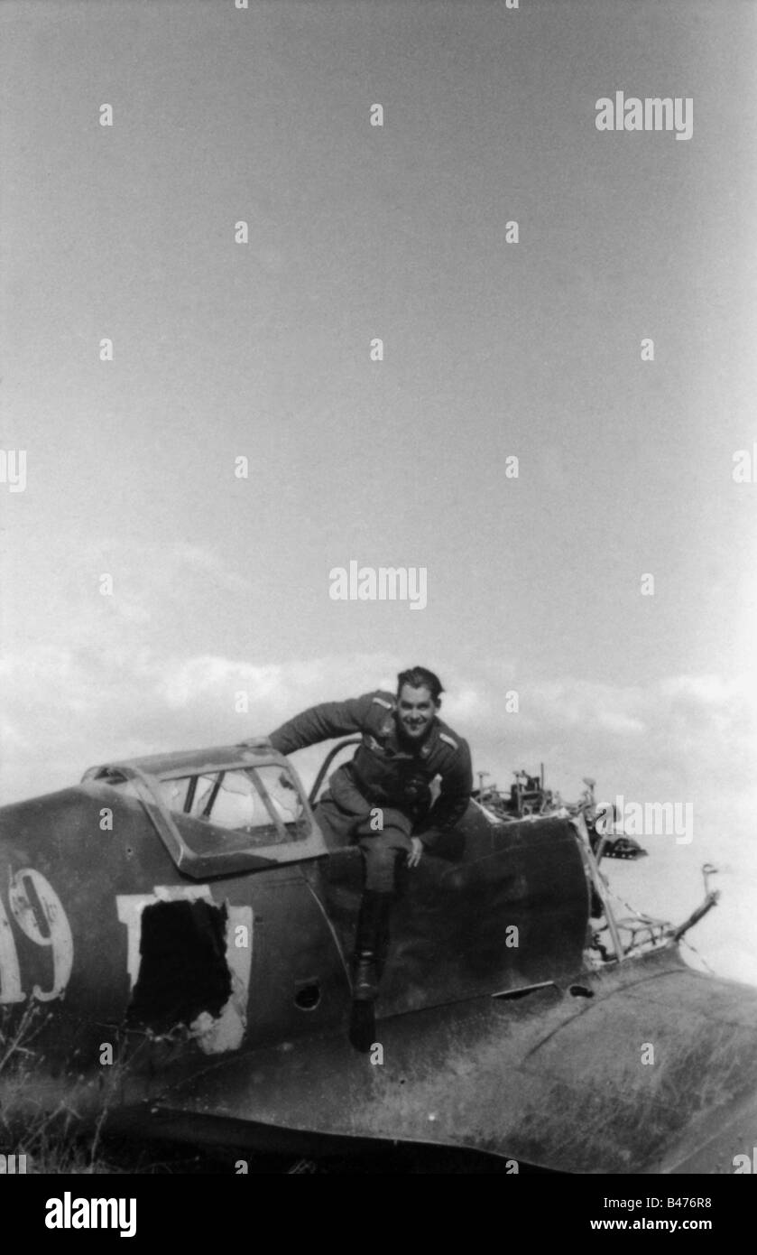 events, Second World War / WWII, aerial warfare, aircraft, crashed / damaged, Luftwaffe war correspondent Georg Stock Photo