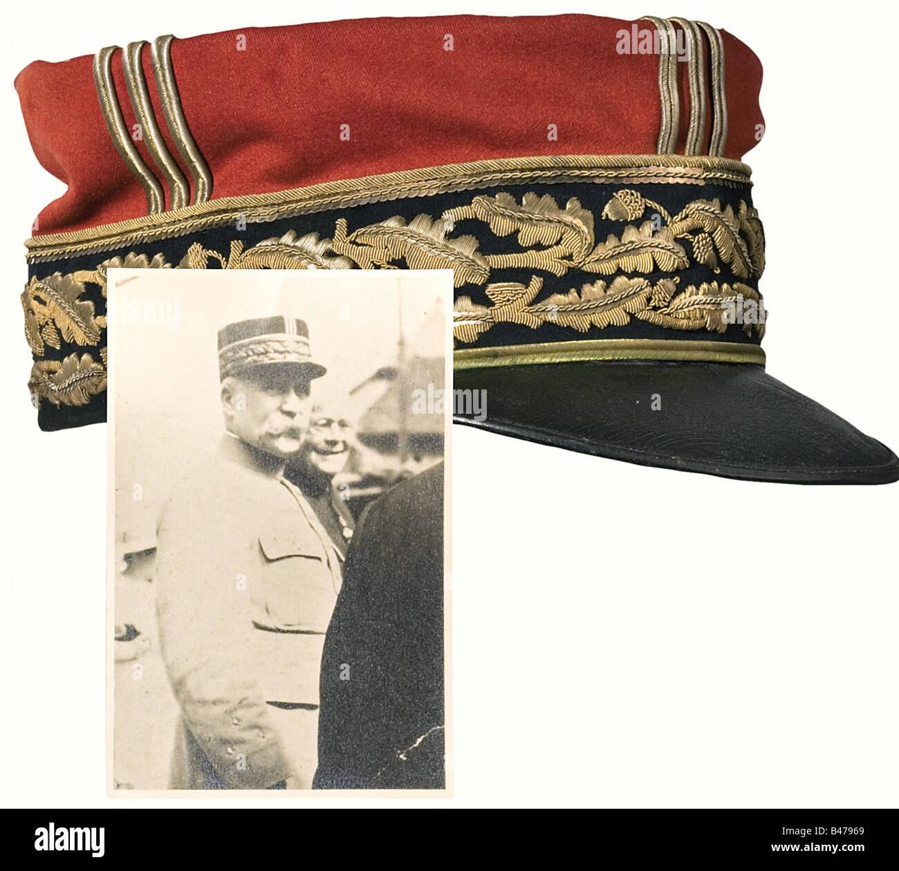 Philippe Pétain - Képi as Général de Division (Major General)., A black band with two rows of - Stock Image