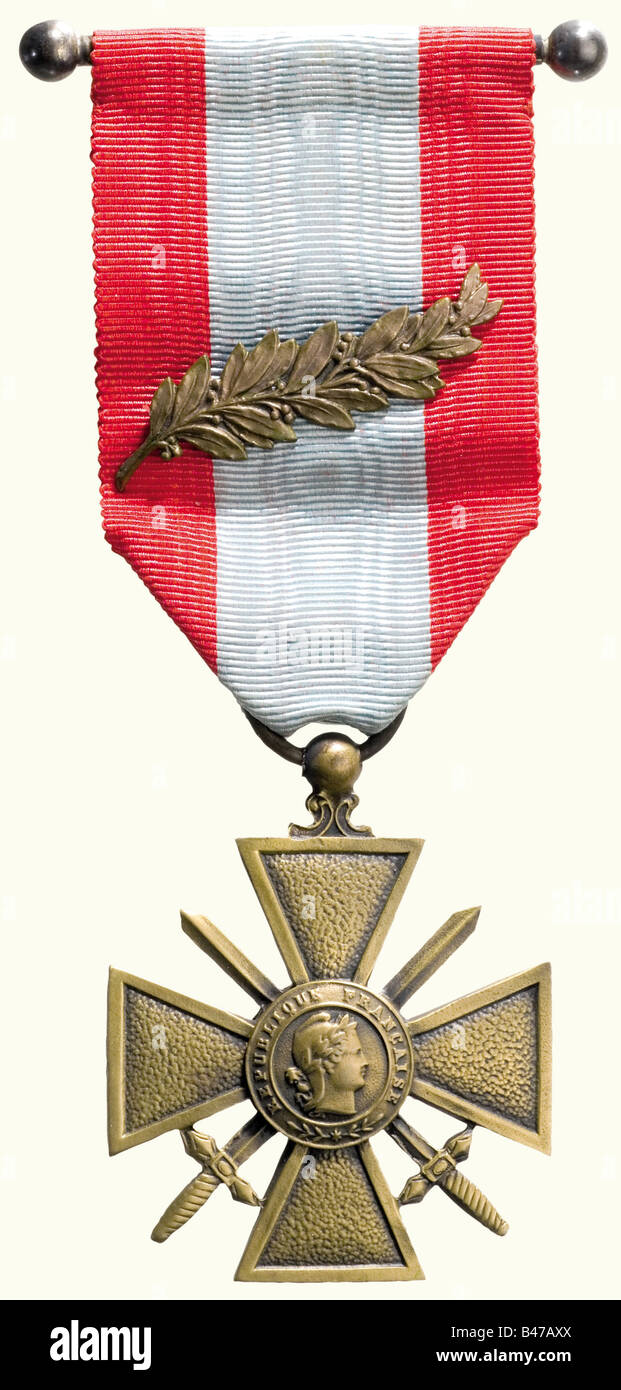 Philippe Pétain, Marshal of France, Croix de Guerre for the Victory in the Rif War 1924/25 Cross of patinaed bronze, Stock Photo