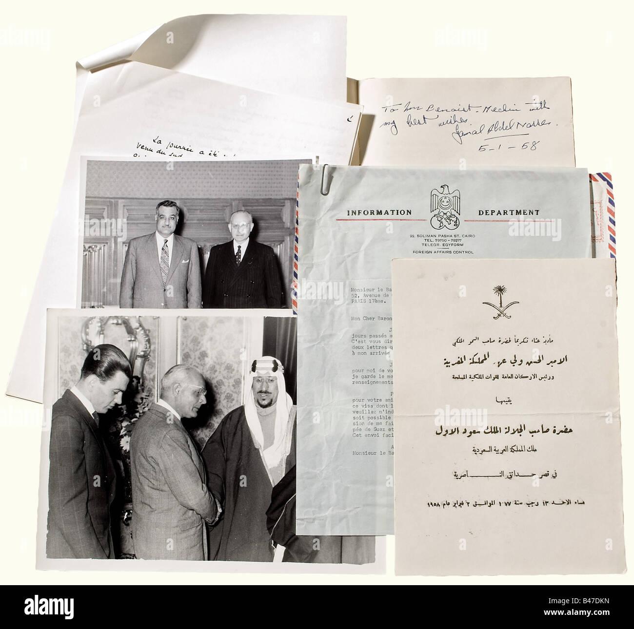 Jacques Benoist-Méchin et le Moyen-orient, Nombreux photos, tapuscrits et manuscrits concernants le Moyen-Orient, - Stock Image