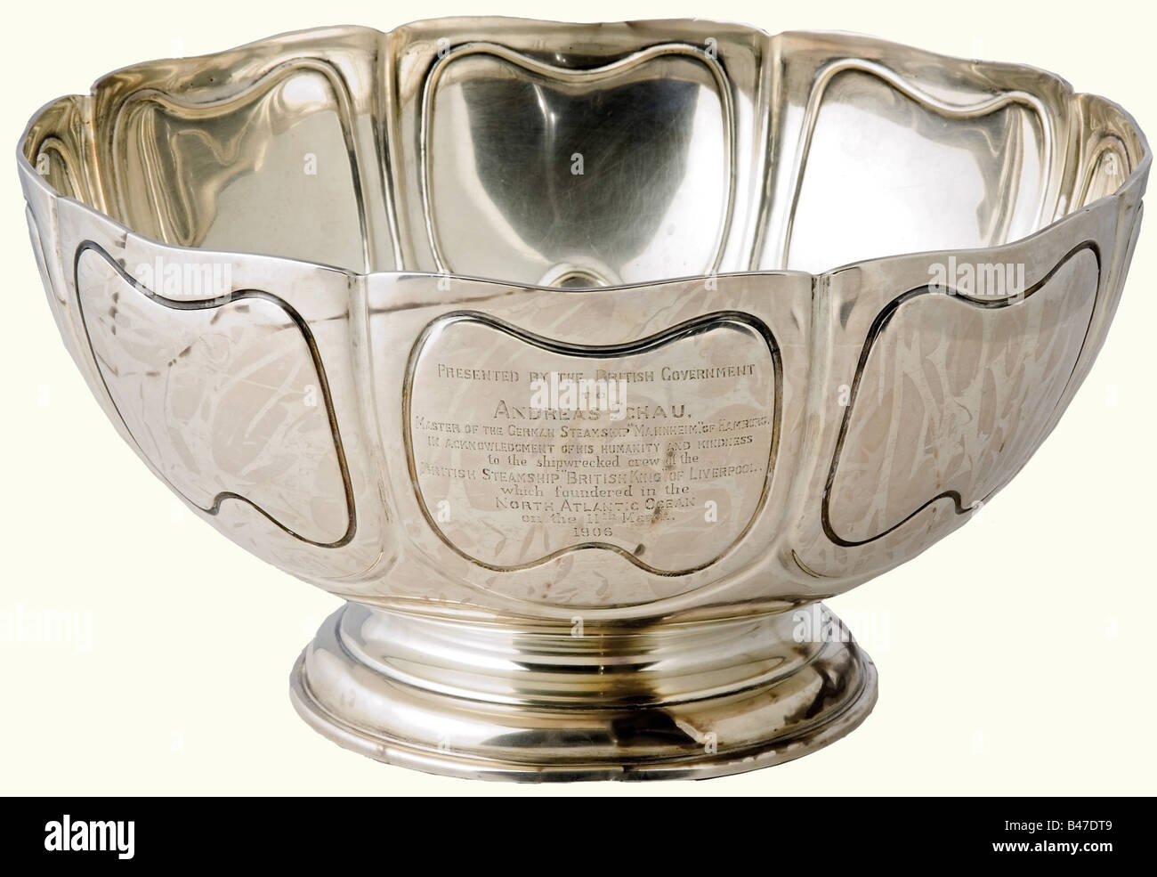 Andreas Schau - a large silver dish., A Present of the British government for the rescue of the crew of the sunken Stock Photo